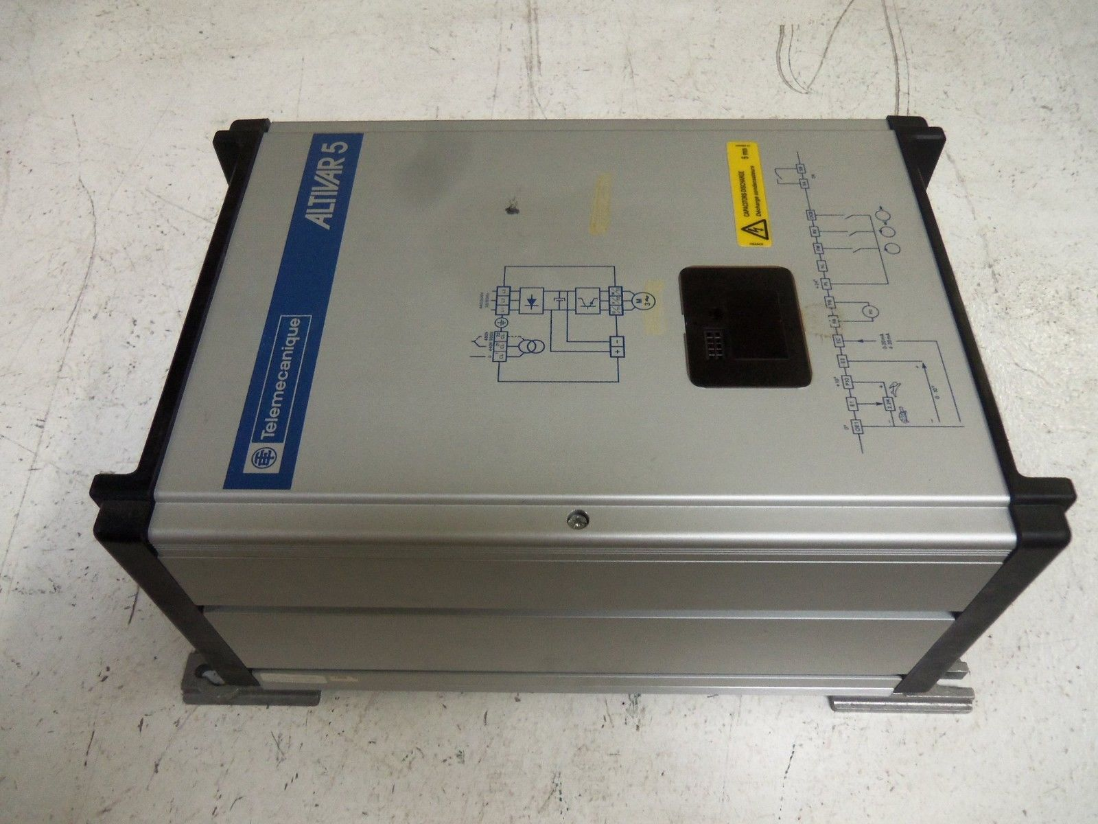 Telemecanique Altivar 5 7.5hp Variable Frequency AC Drive Serie 45 2 ATV452USSN