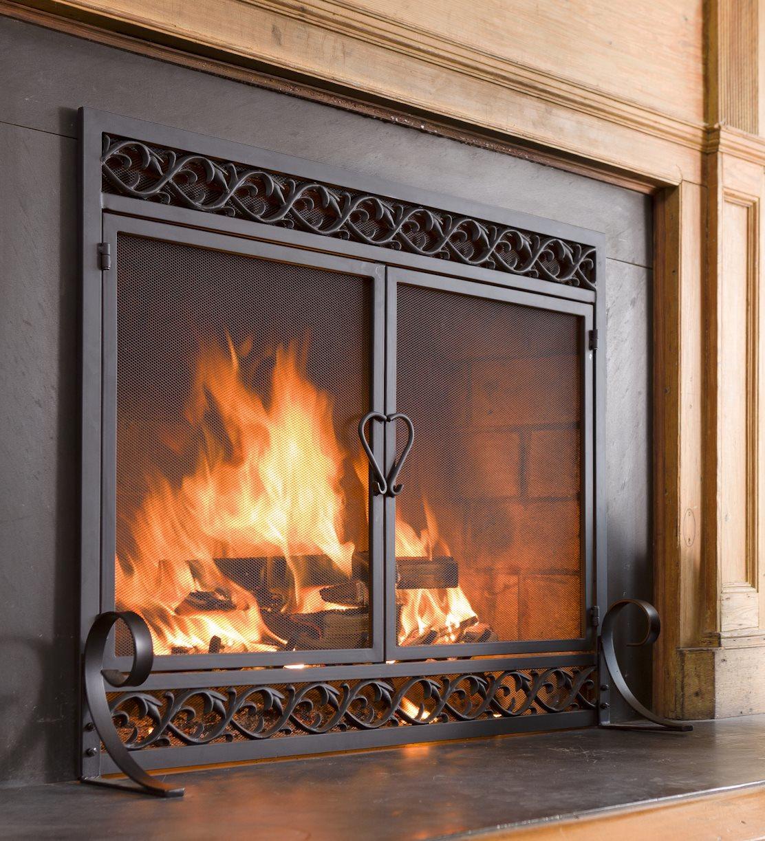 Small Cast Iron Scrollwork Fireplace Screen W Doors In Black