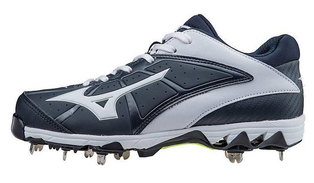 Fastpitch softball turf shoes