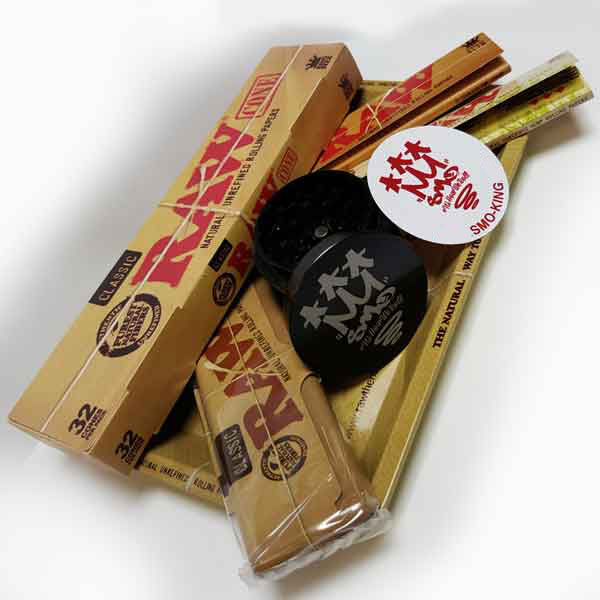 Raw Mini Rolling Tray Survivors Gift Set With Cypher