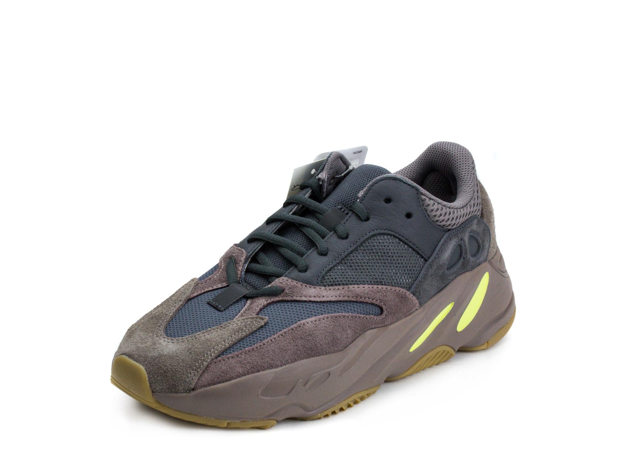 Adidas Mens Yeezy 700 \