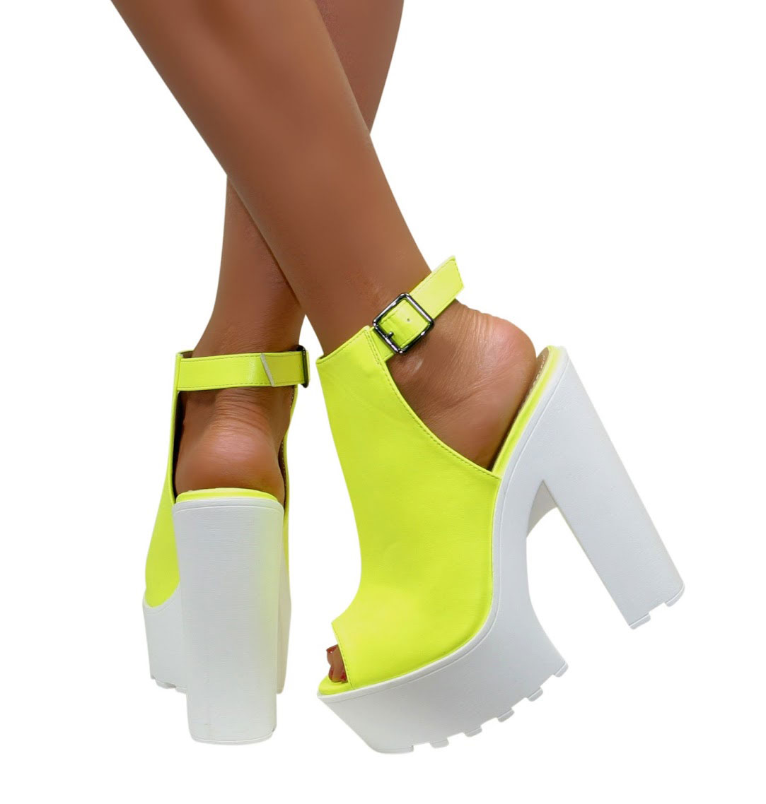 Size  Cleated Sole Shoes