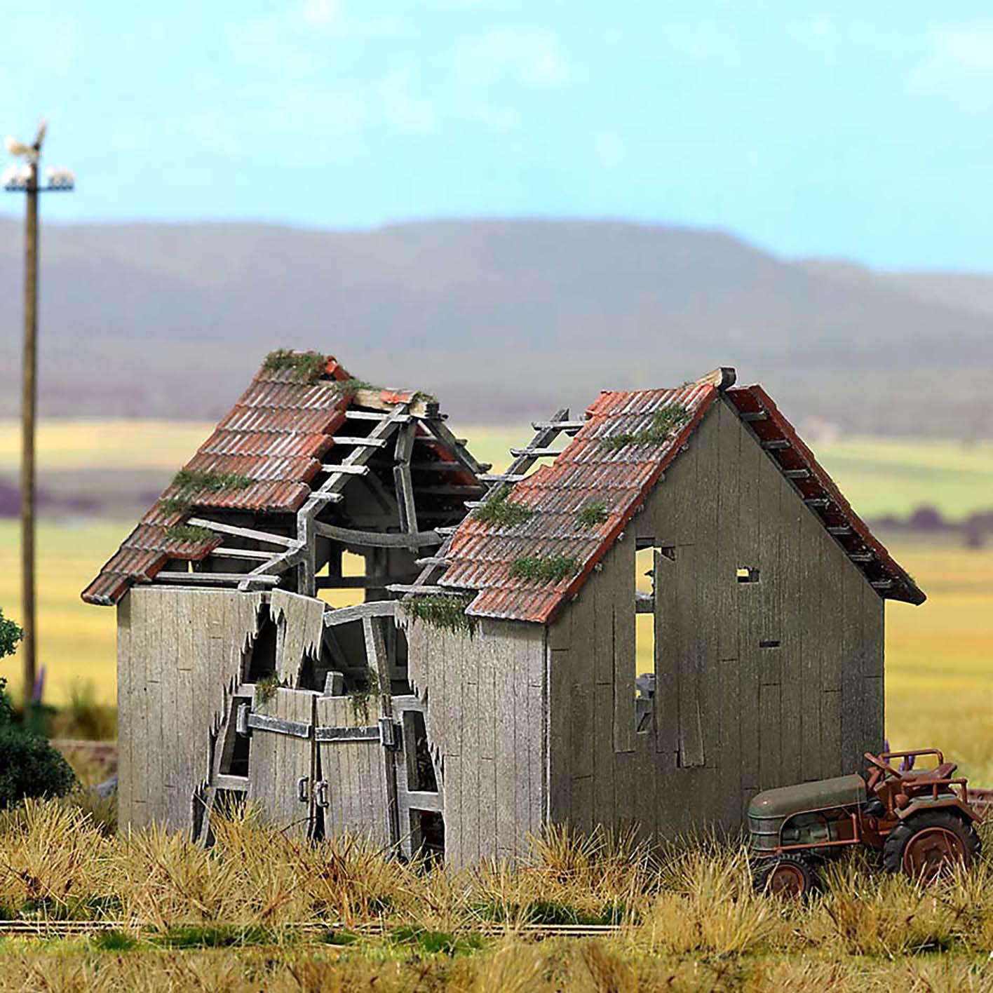 Busch ho scale dilapidated barn farm building model for Farmhouse building kits