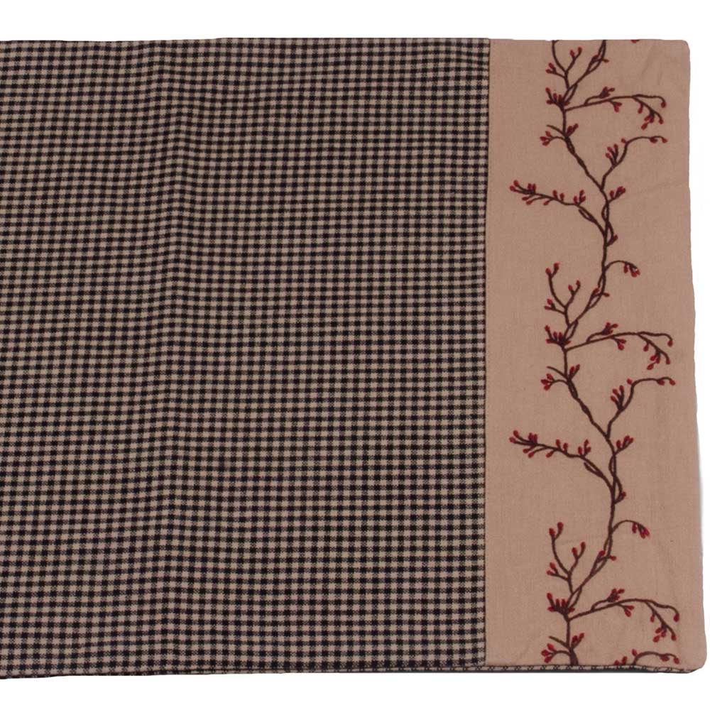 Charmant Berry Vine Gingham Check 36 Inch Table Runner Barn Red Or Black