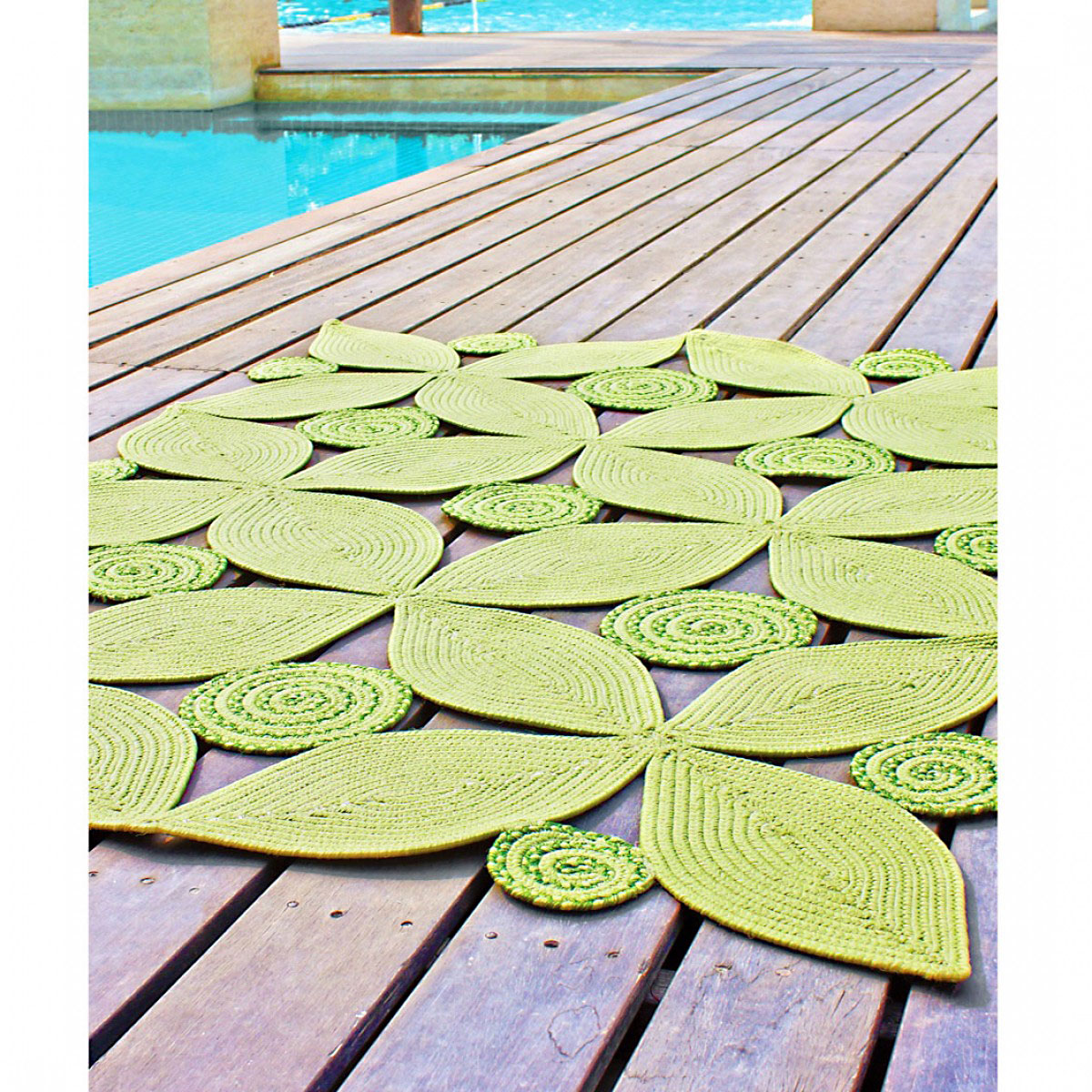 Tropical Leaf Rectangle Indoor Outdoor Braided Rug Meadow