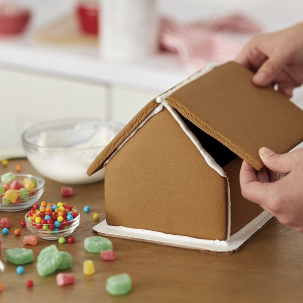 Wilton 6pc build it yourself gingerbread cottage house decorating wilton 6pc build it yourself gingerbread cottage house decorating kit with icing solutioingenieria Choice Image
