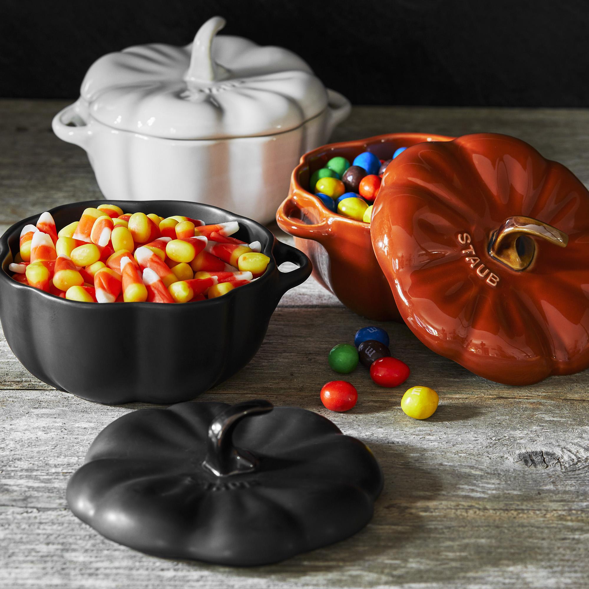 Staub-Ceramic-16-oz-Petite-Pumpkin-Cocotte thumbnail 12