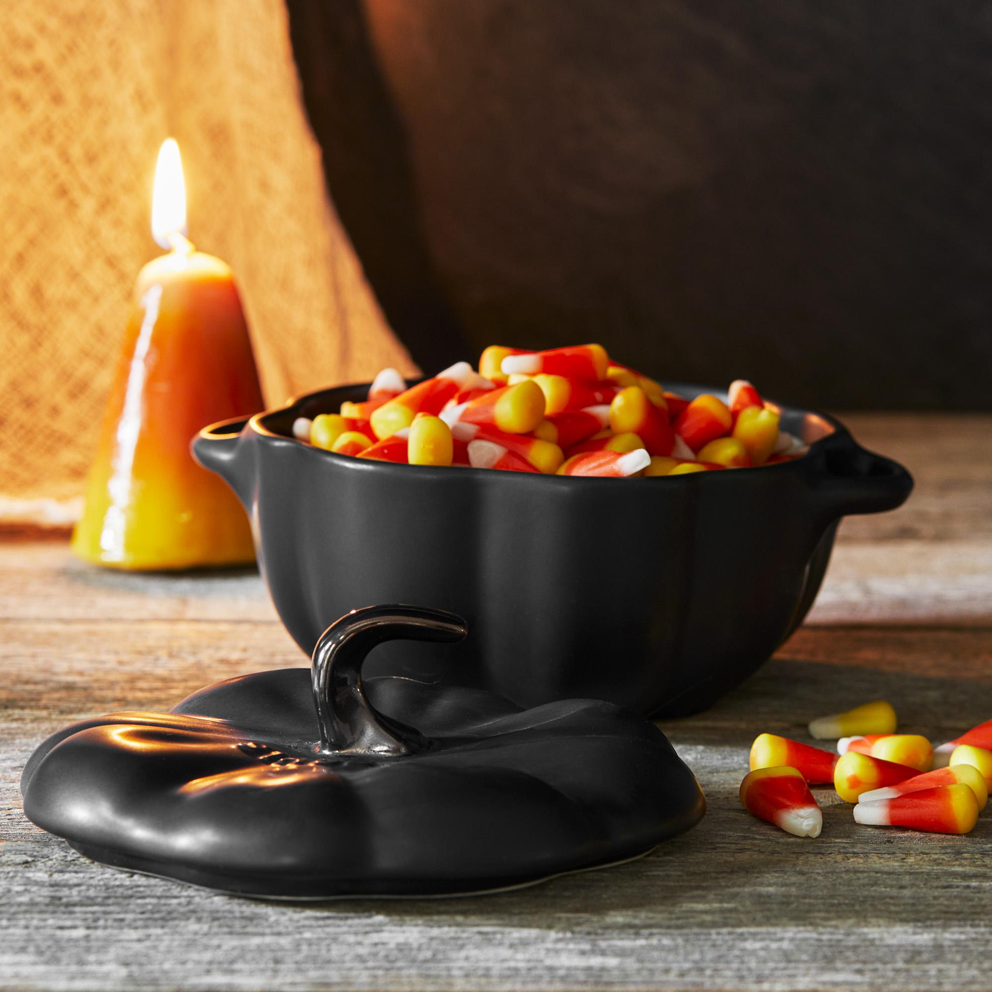 Staub-Ceramic-16-oz-Petite-Pumpkin-Cocotte thumbnail 19