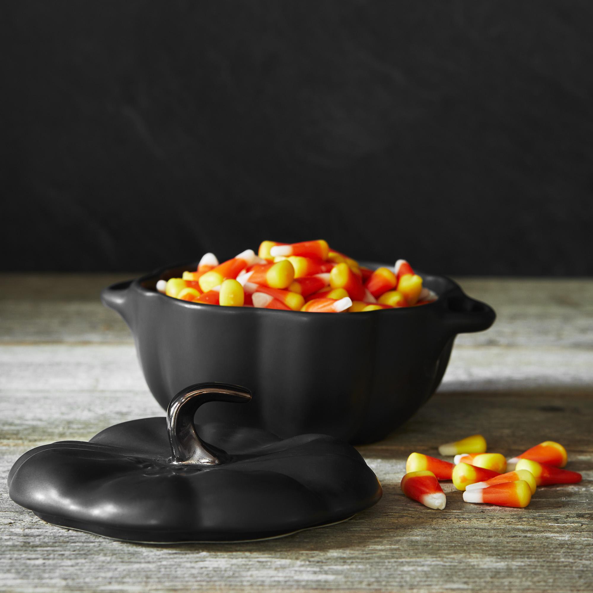 Staub-Ceramic-16-oz-Petite-Pumpkin-Cocotte thumbnail 20