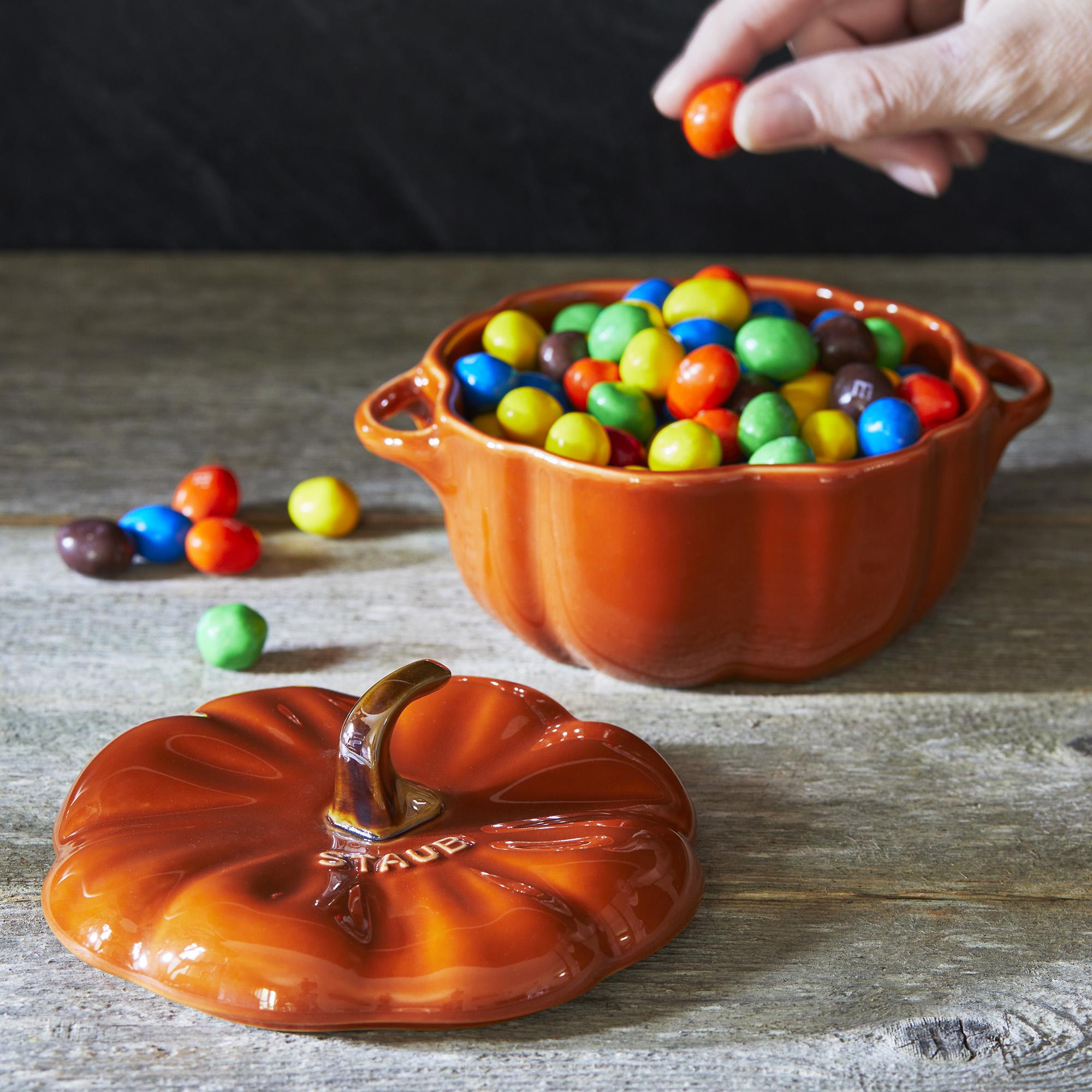 Staub-Ceramic-16-oz-Petite-Pumpkin-Cocotte thumbnail 10