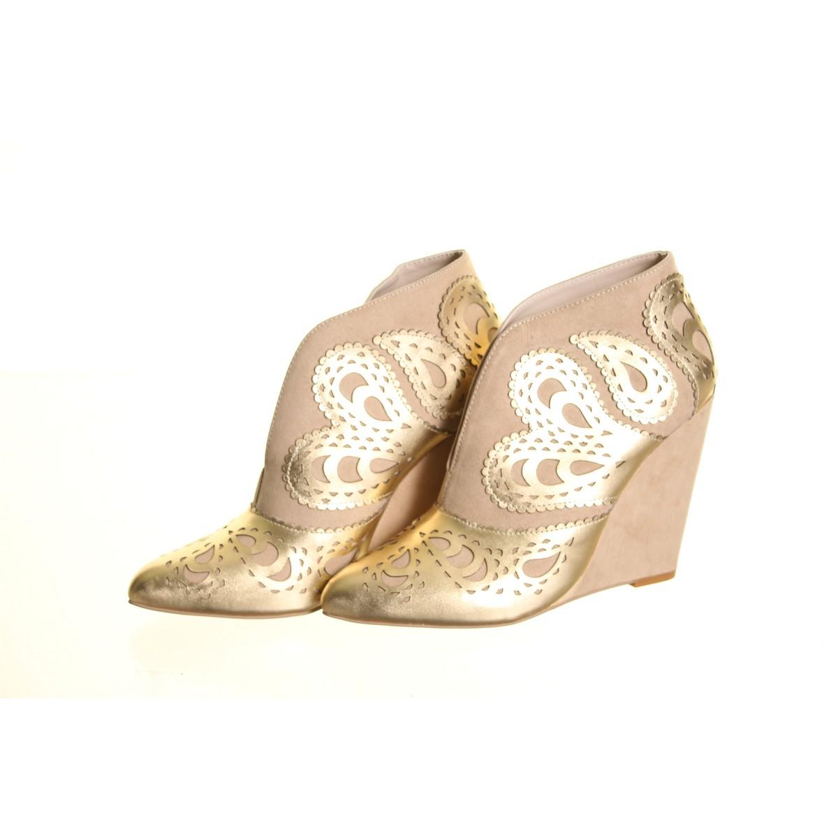 JUNE BY JUNE AMBROSE Tan/Gold Leder Detail Platforms & Wedges Heels Schuhes TEDO