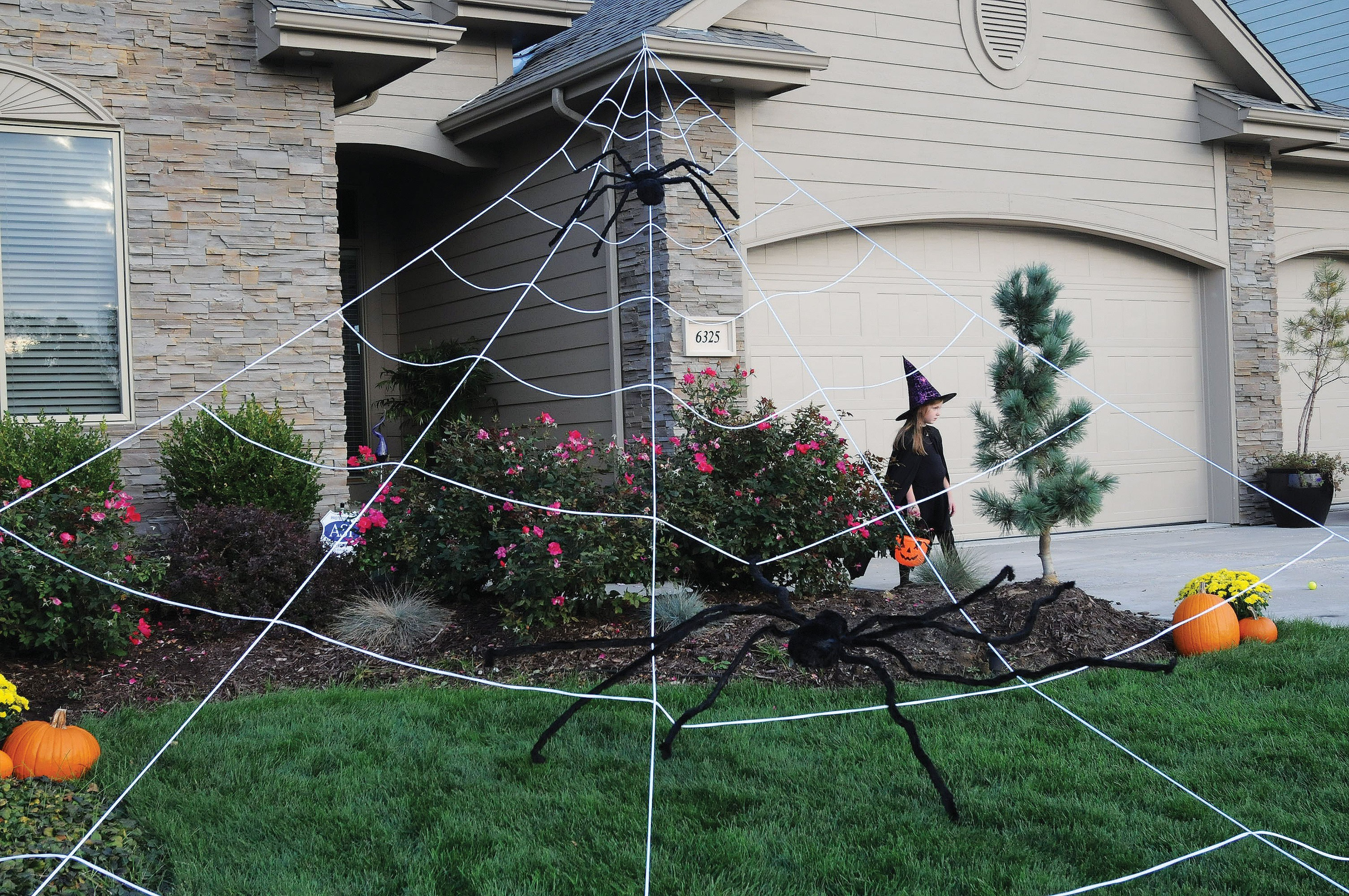 Mega Yard Spider Web Huge Outdoor Halloween Yard Decor Rope Web Decoration