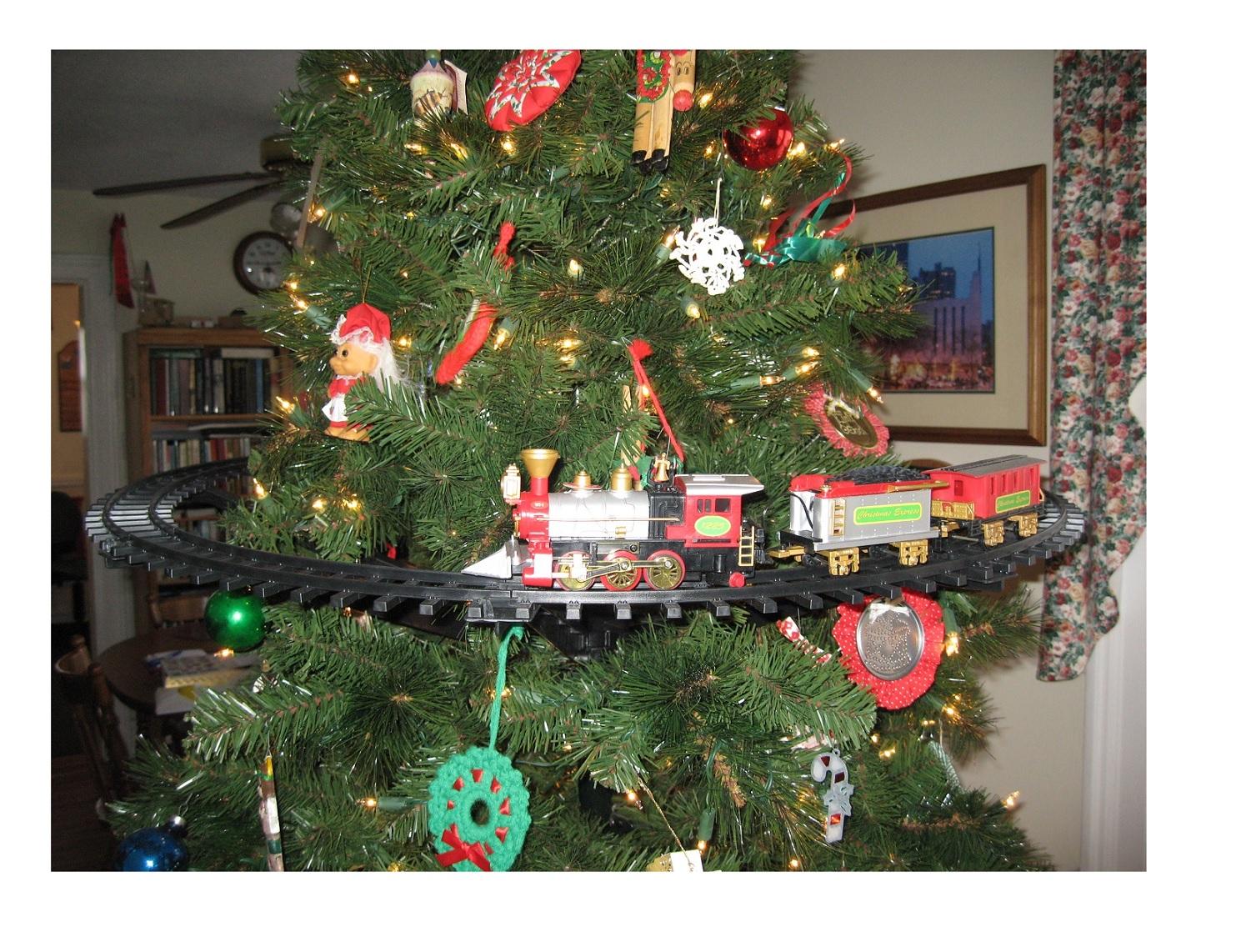 Light Sounds Animated Christmas Train Set Holiday