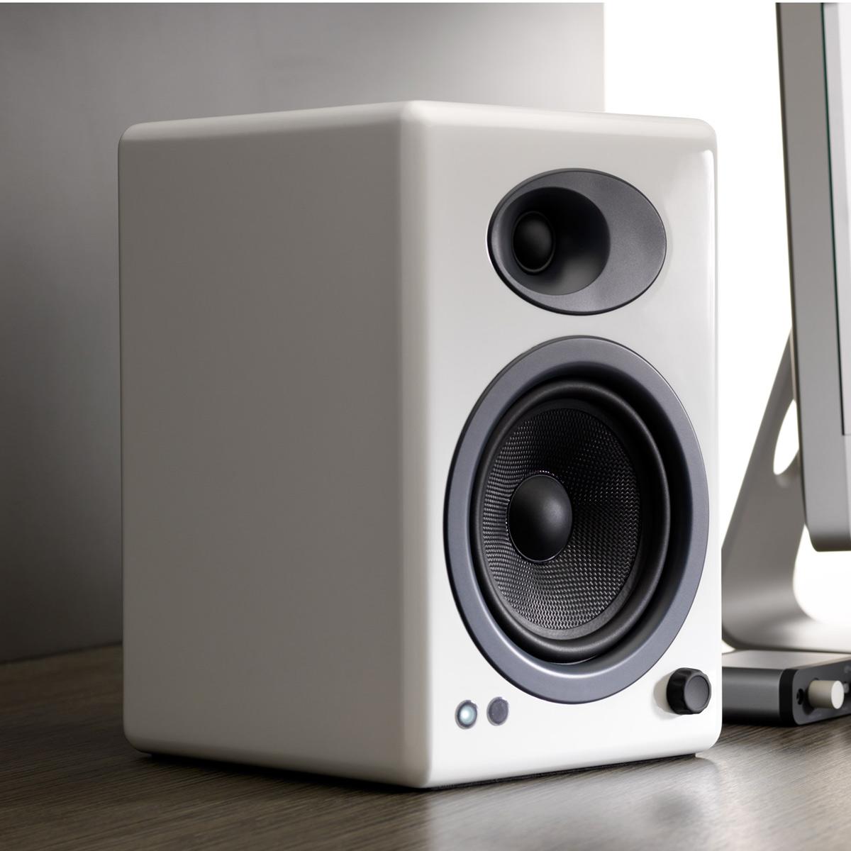 Audioengine-A5-Classic-Powered-Bookshelf-Speakers-Pair thumbnail 12