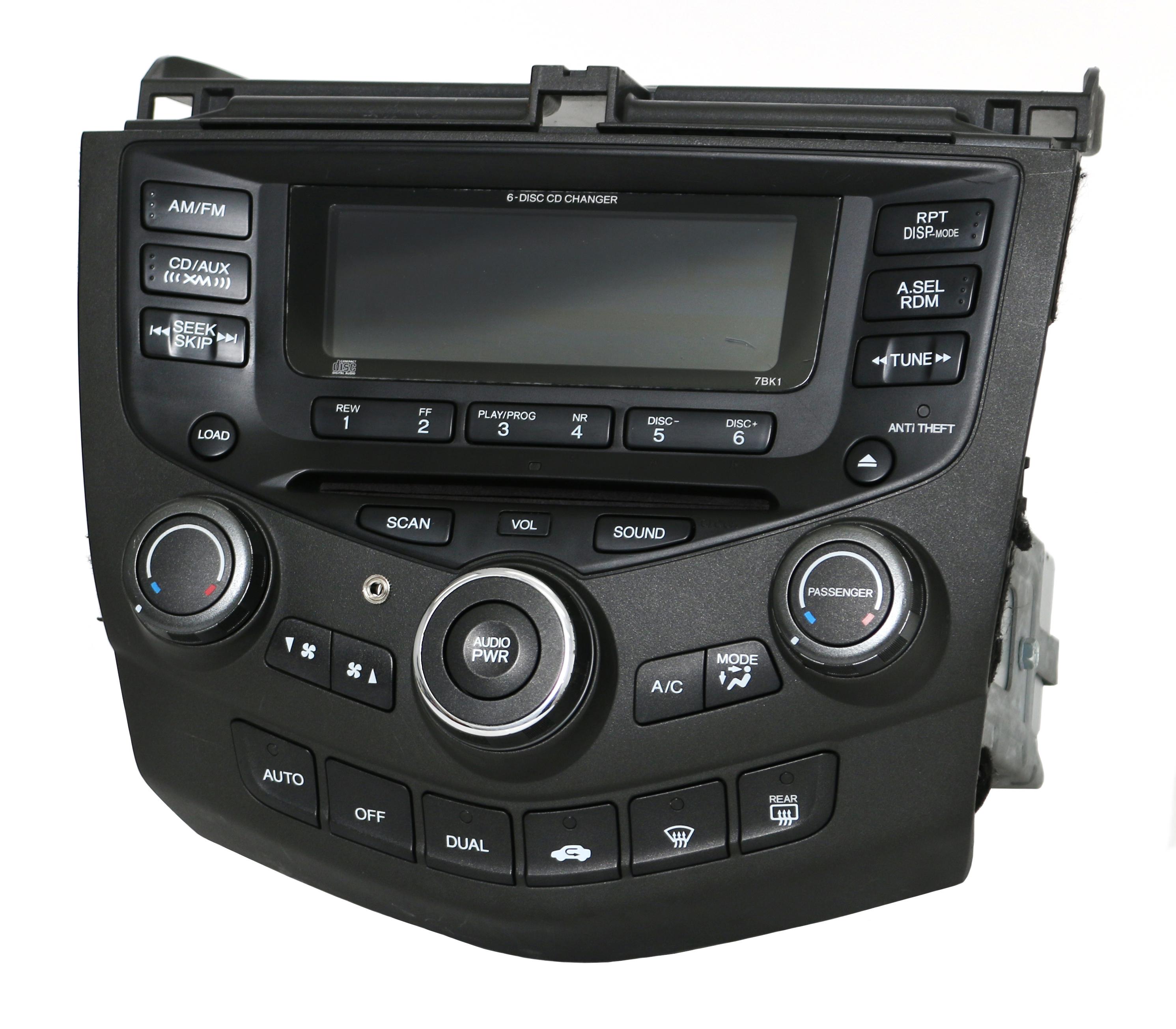 04-07 Honda Accord Radio AMFM 6 CD Temp Ctrls w Aux Input 39175-SDA-L110-M2  7BK1 - 1 Factory Radio