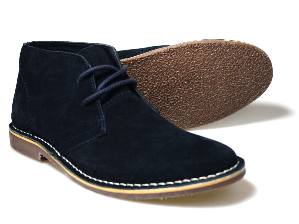 This is a fantastic pair of suede desert boots from Red Tape. They have a  great look to them in this really nice Navy colour. They are a very simple  desert ...