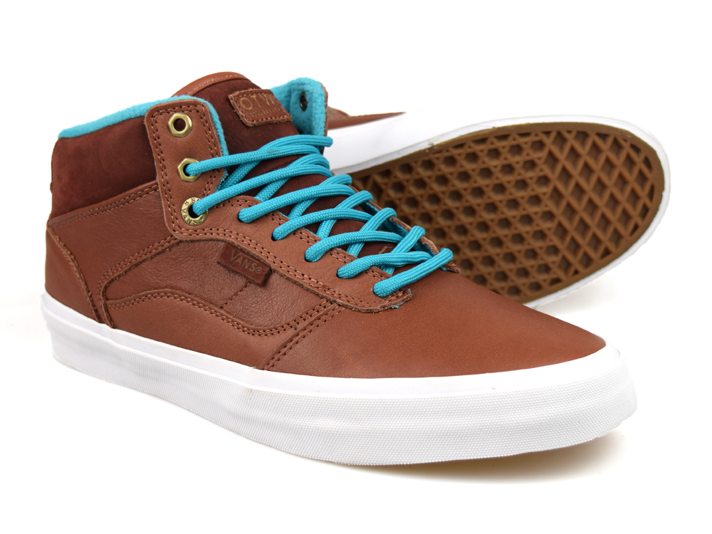d023930373 This is an amazing pair of leather trainers from Vans Off The Wall  collection. This is an amazing high quality pair of trainers from Vans.
