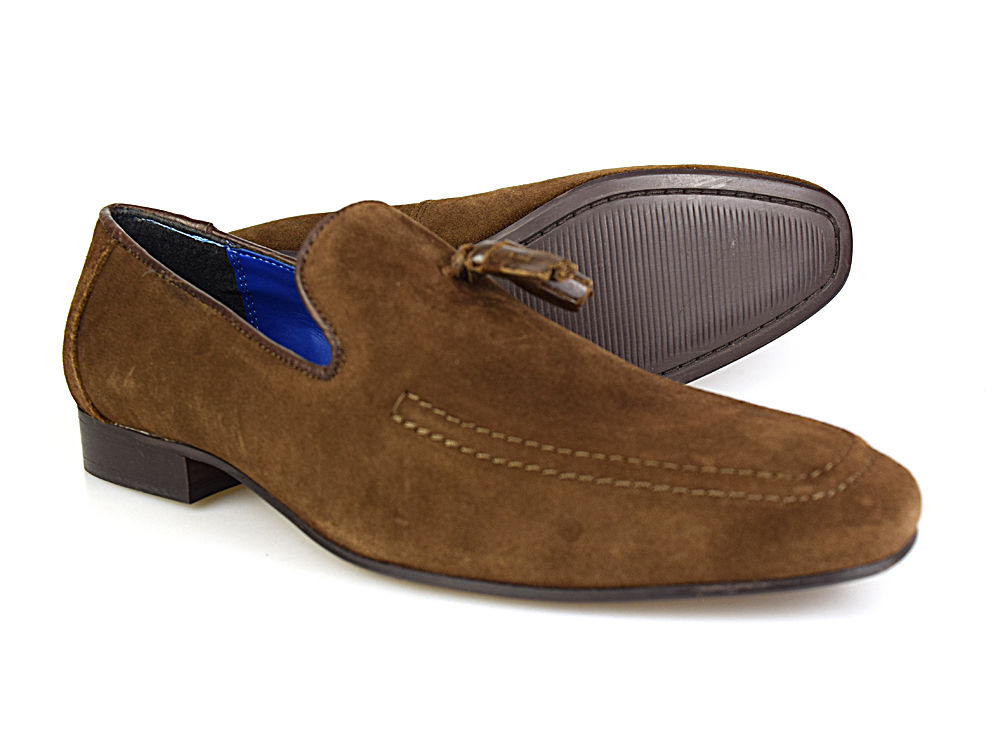 This is a fantastic pair of suede loafers from Red Tape. They look great in  this brown suede and are extremely comfortable to wear.