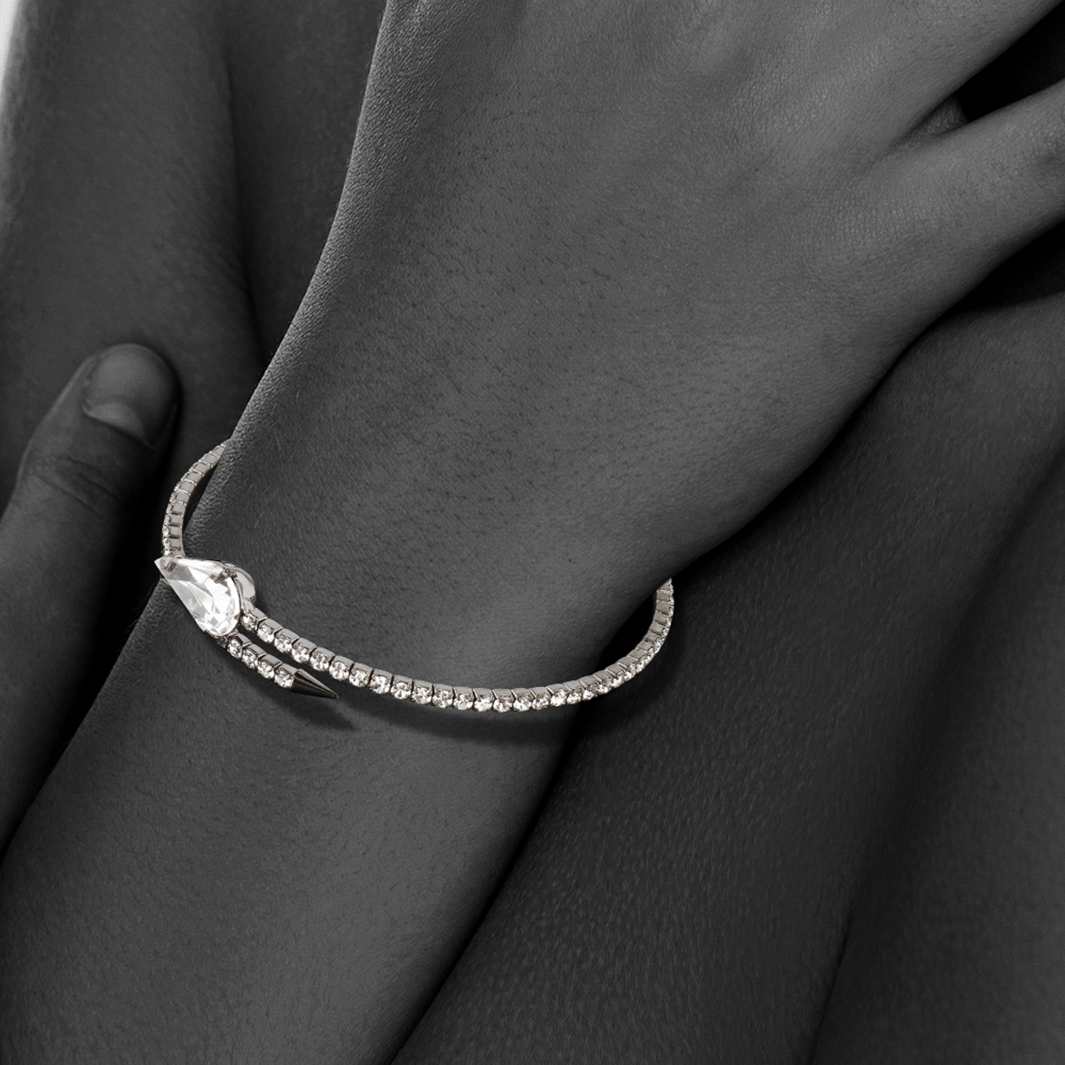 Womens-Ladies-Fashion-Accessories-Jewelry-Single-Crystal-Spear-Bangle-Bracelet thumbnail 8