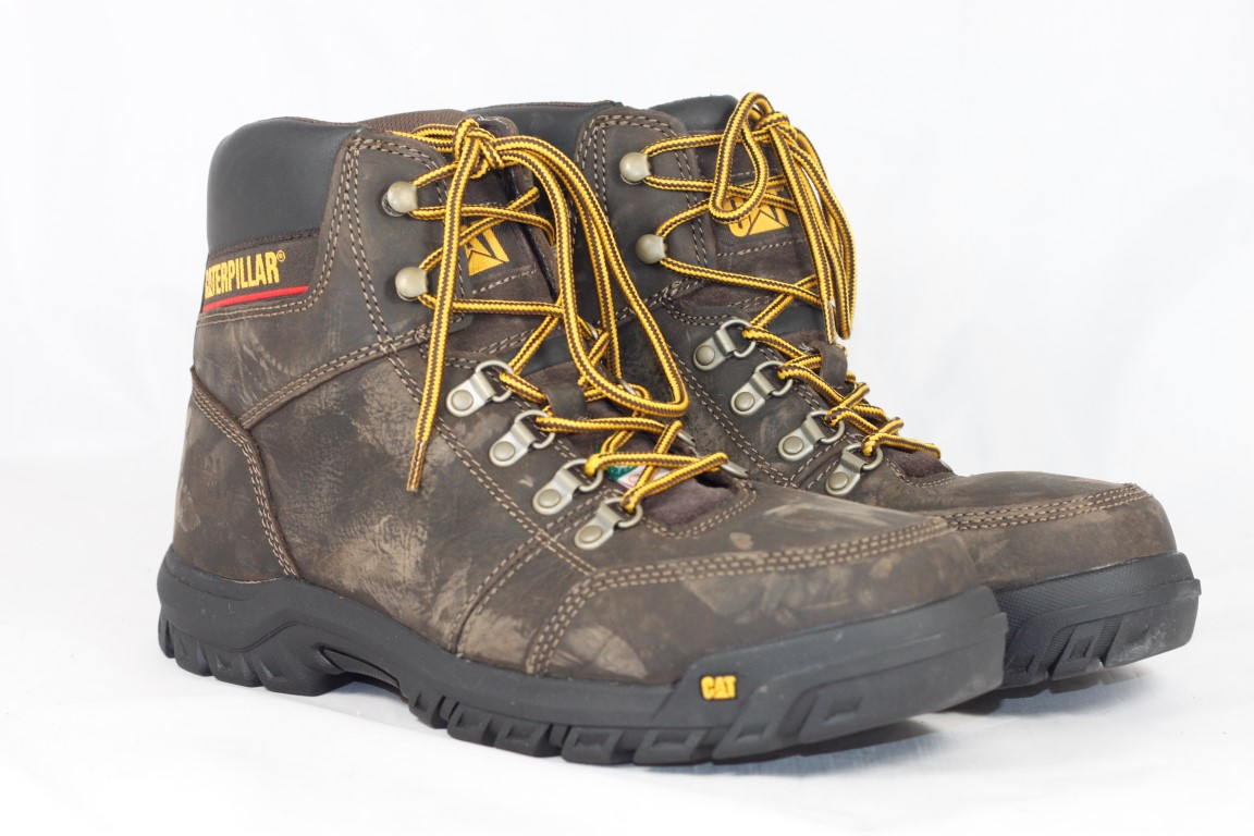 Caterpillar Men s Outline Steel Toe Hiking Boots 7ce12fd183a