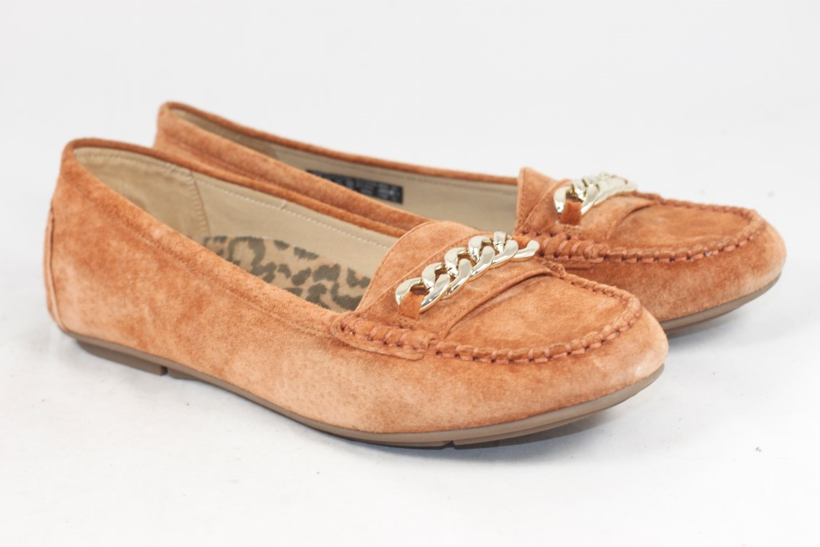 199458bf2c3 Vionic Women s Mesa Suede Moccasins with Chain