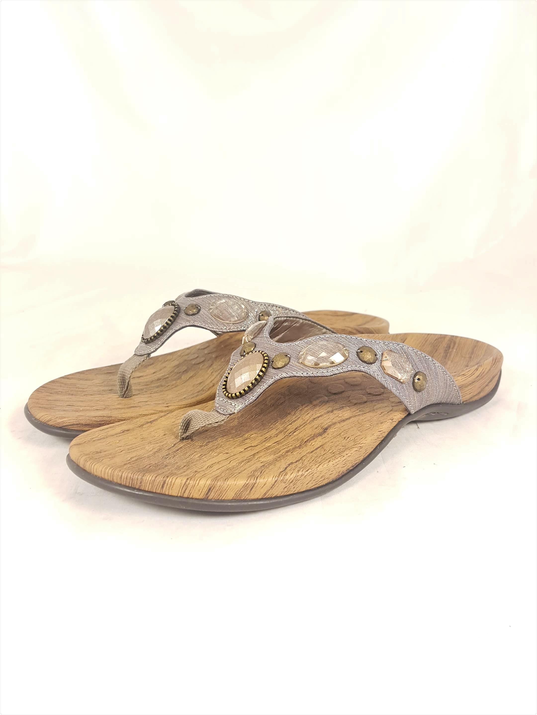 4f3a5e4e8df4 Vionic with Orthaheel Carla II Bronze Metallic Sandals UK 3   EU 36   US 5