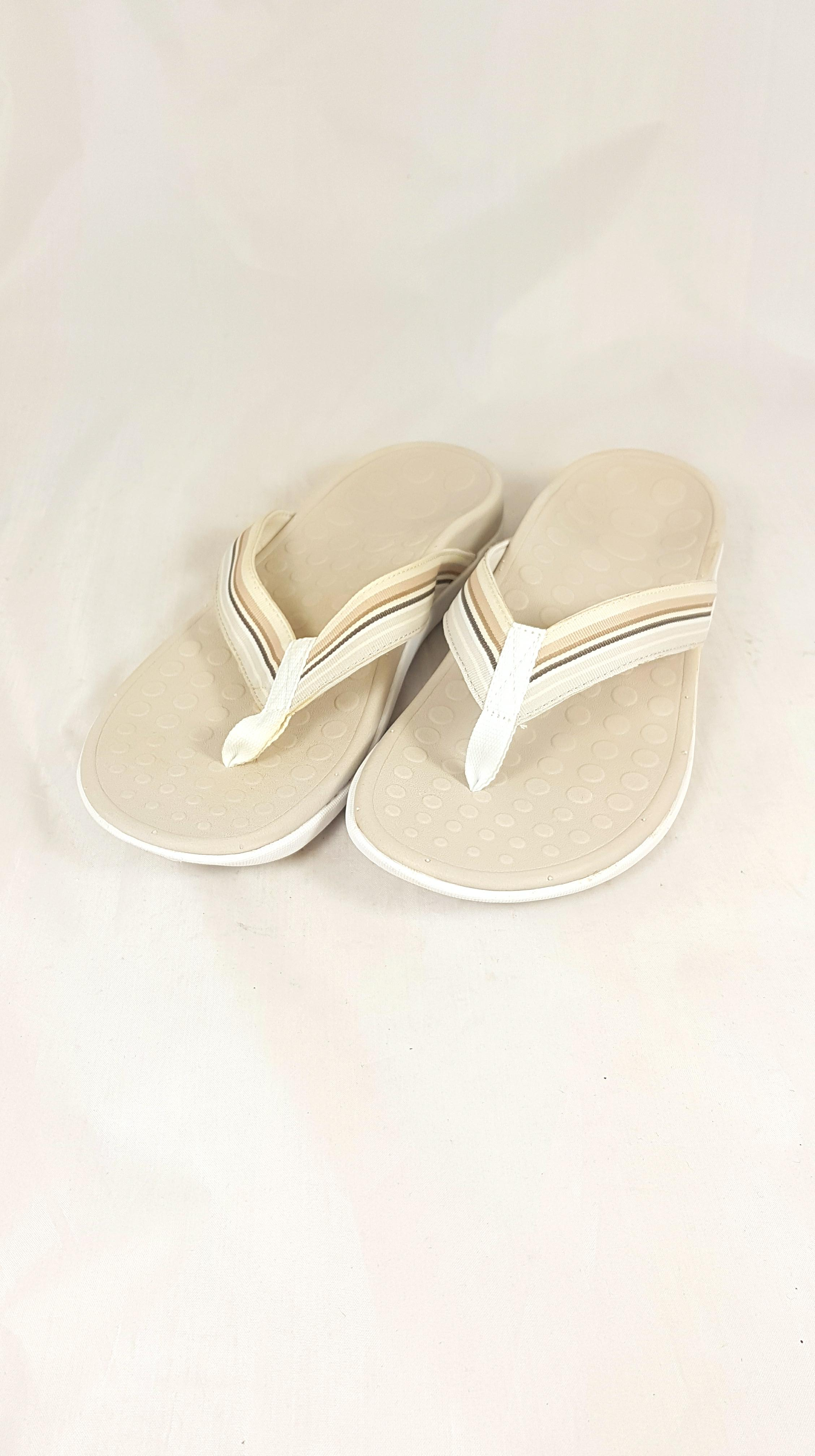 acce7e904cf1 Women s Vionic with Orthaheel Natural Island Sandals UK 6   EU39   US 8