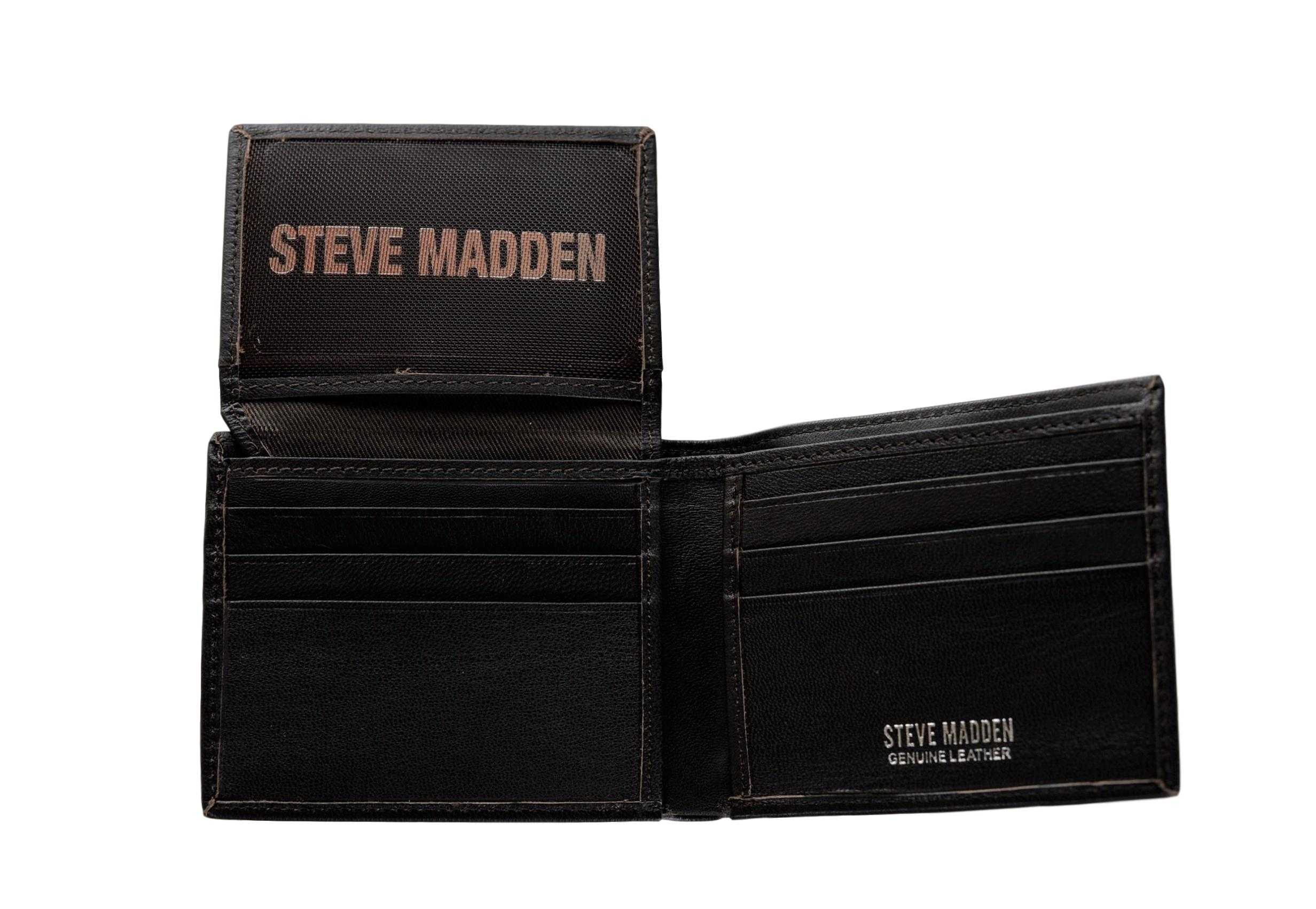 930b855179 Steve Madden Mens Smooth Grain Leather RFID Blocking Passcase Wallet ...