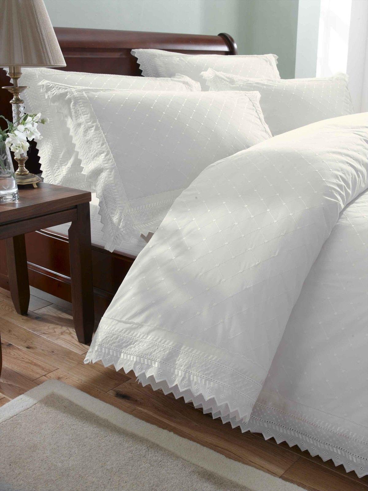 Parure-de-lit-housse-de-couette-taie-d-039-oreiller-luxueux-broderies miniature 6