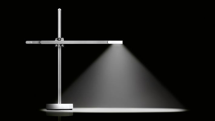 Dyson-CSYS-Desk-Task-Lamp-New thumbnail 5