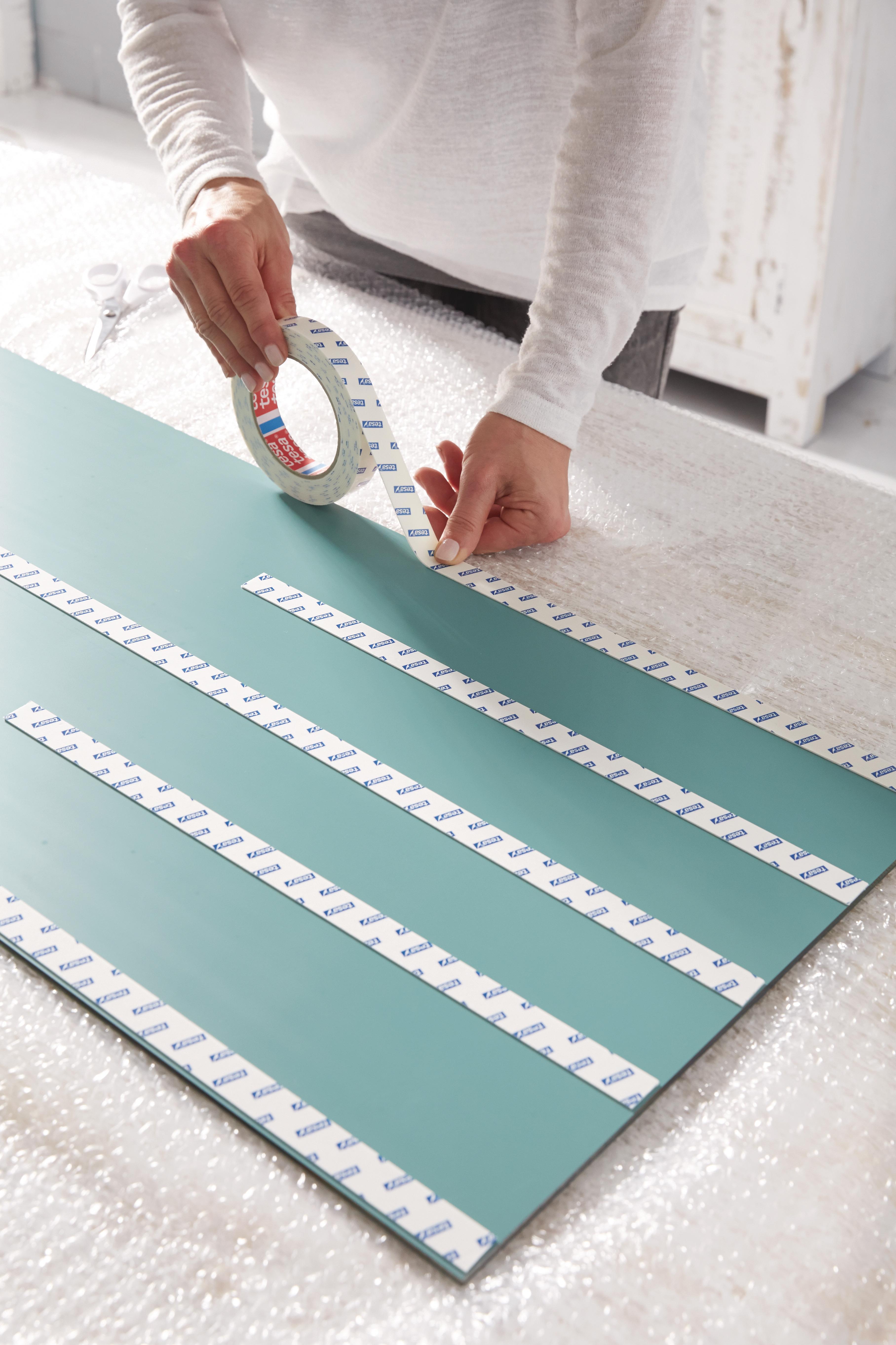 Indexbild 11 - tesa doppelseitiges Klebeband Montageband stark klebend beidseitig für Spiegel