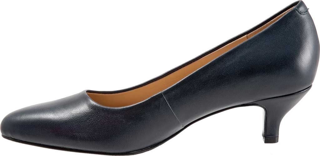 Women's Trotters Kiera Pump, Navy Soft Smooth Nappa Leather, large, image 3