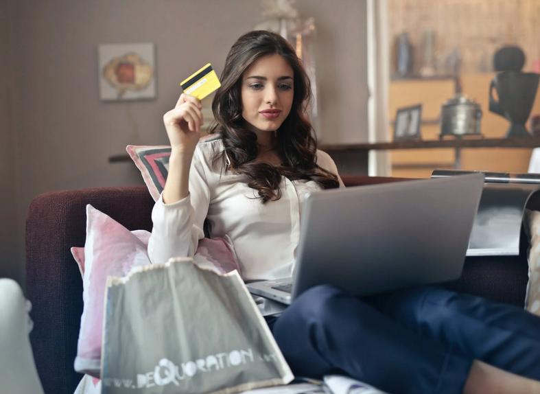online shopping. thelashop