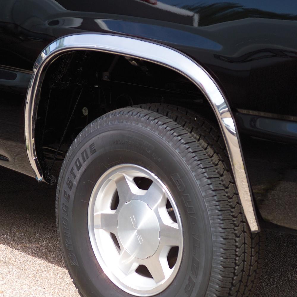 Putco Fendertrim Cadillac Escalade Ext on 2002 Cadillac Escalade Running Boards