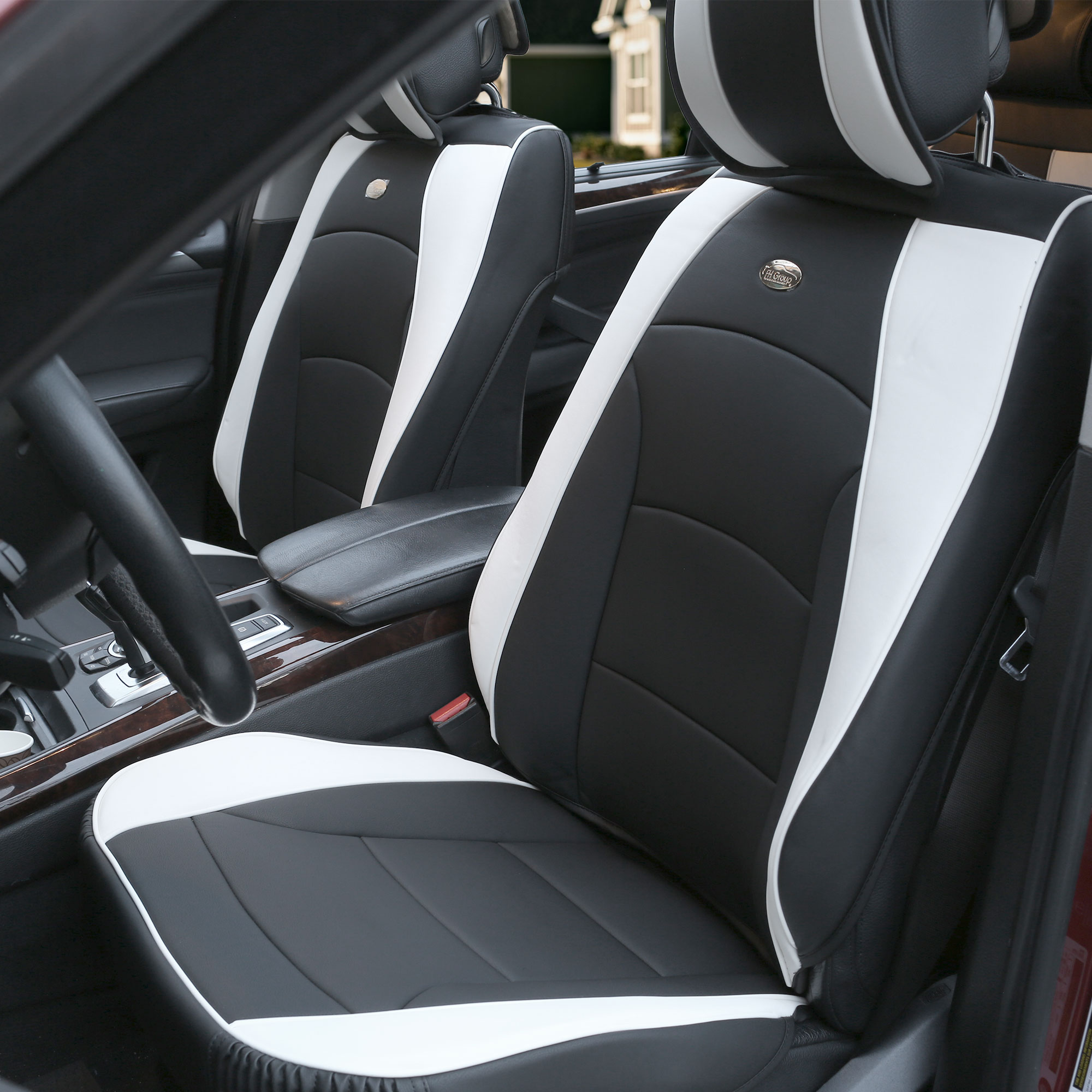 Material Top Quality Faux Leather Backed With High Density Foam And Non Slip Silicone Interior