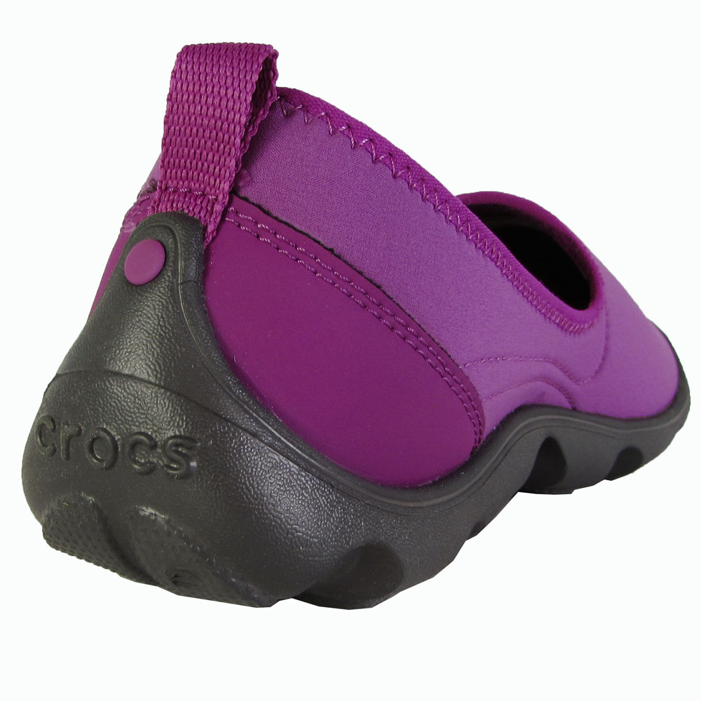 Crocs-Womens-Duet-Busy-Day-Skimmer-Flat-Shoes thumbnail 22