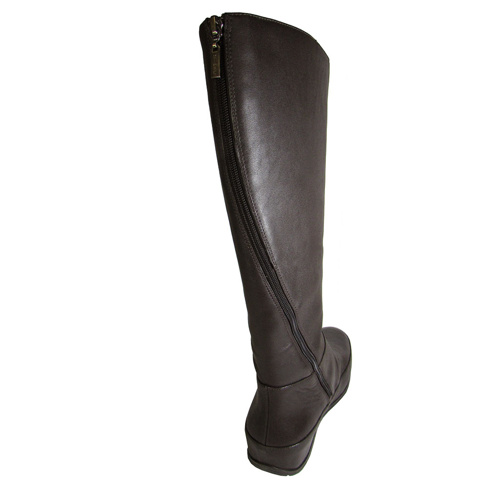 6b33f9370315f FitFlop Womens Dueboot Twisted Zip Knee High Boot Shoe Chocolate Brown US  7. About this product. Picture 1 of 6  Picture 2 of 6  Picture 3 of 6   Picture 4 ...