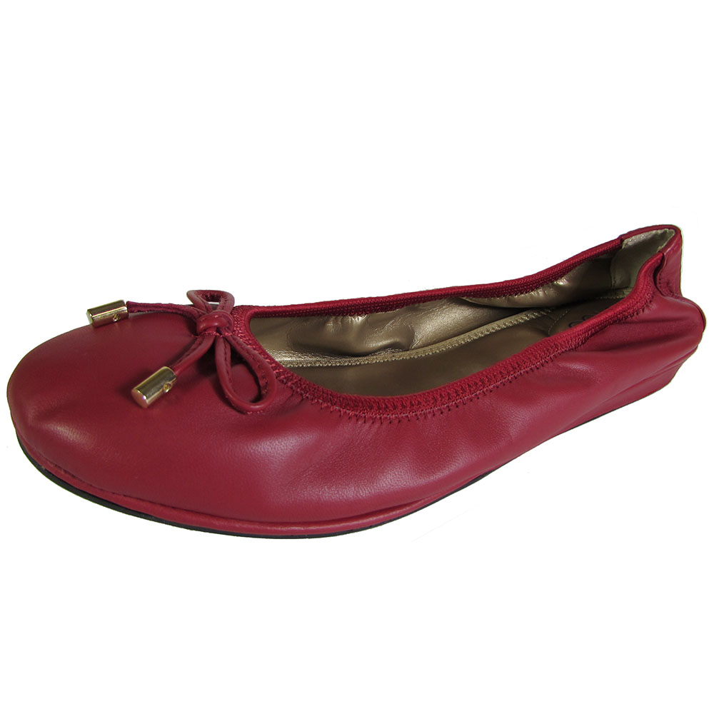Me Too Womens Lilly Leather Ballet Flat Shoe