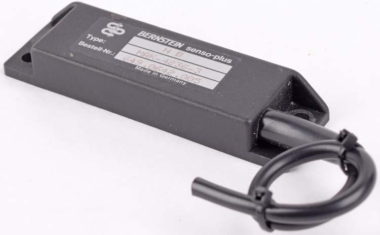 New Bernstein D-32457 MAK-4214-P-3,5 6310442634 Magnetic Safety Switch Sensor