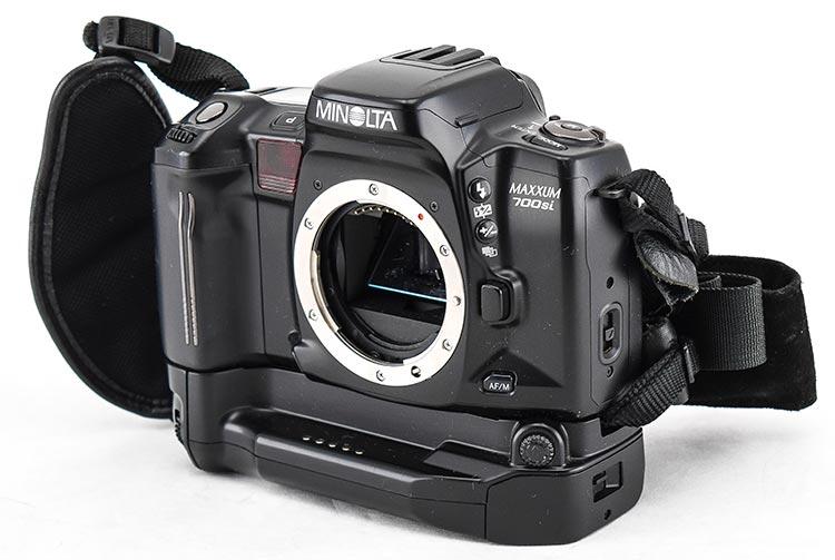 Minolta Maxxum 700si Autofocus 35mm Film SLR Digital Photo Camera W VC 700 Grip