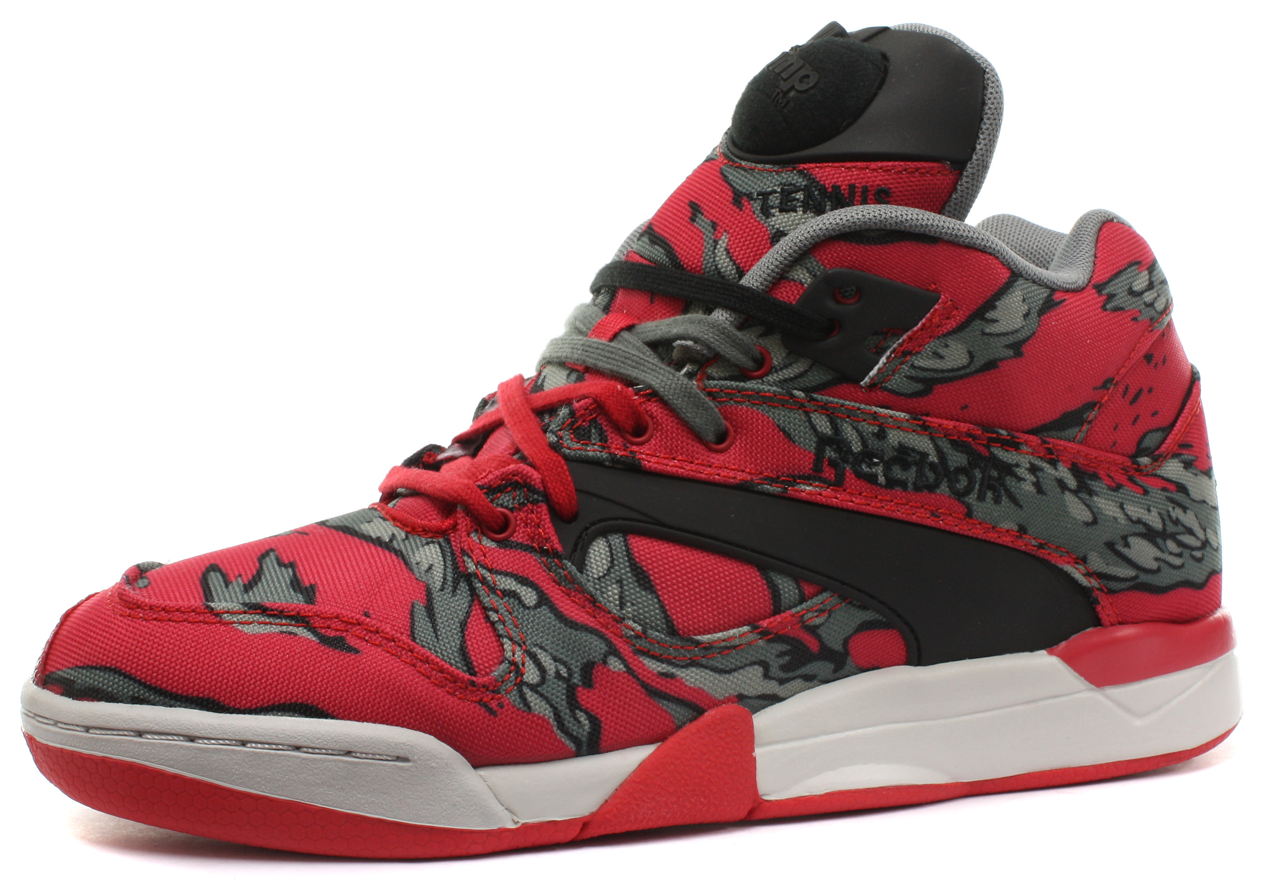 New Reebok Classic Court Victory Pump Red Unisex Trainers ALL SIZES ... dc8390330c46