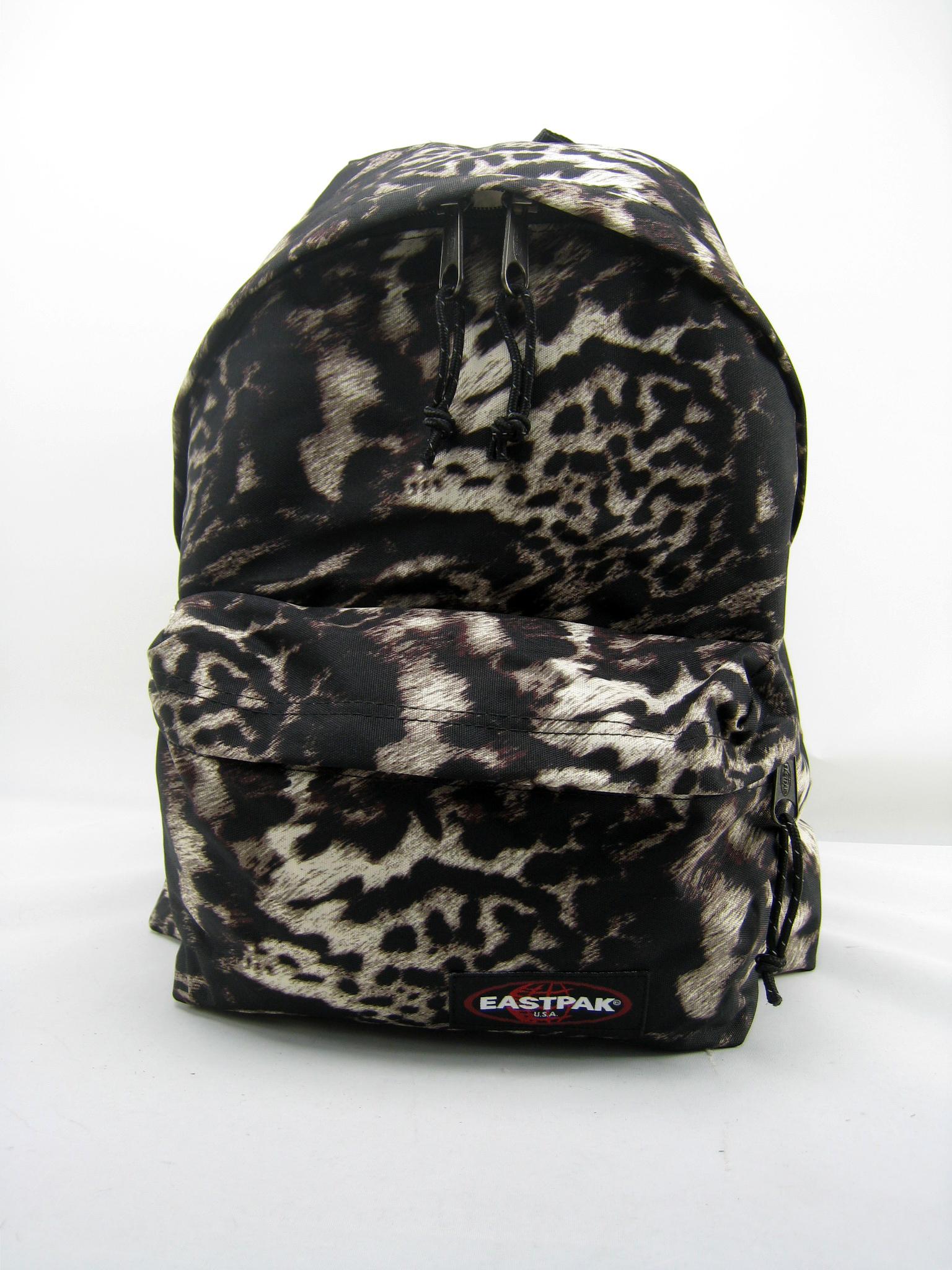 la meilleure attitude 2ca72 2ea31 Eastpak Padded Backpack LEOPARD GREY School Bag on PopScreen