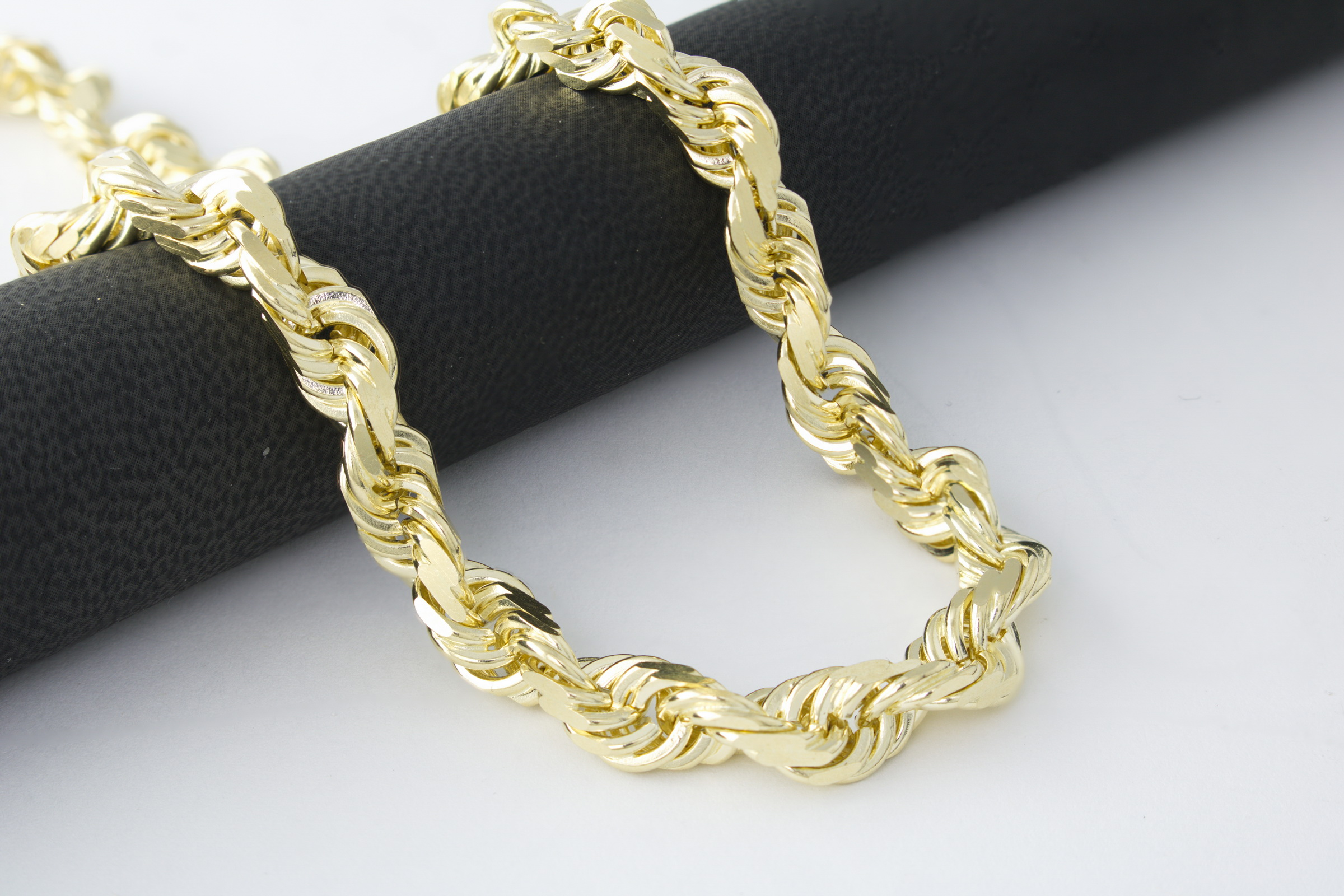 Fashion style Chains gold for men 14k for girls