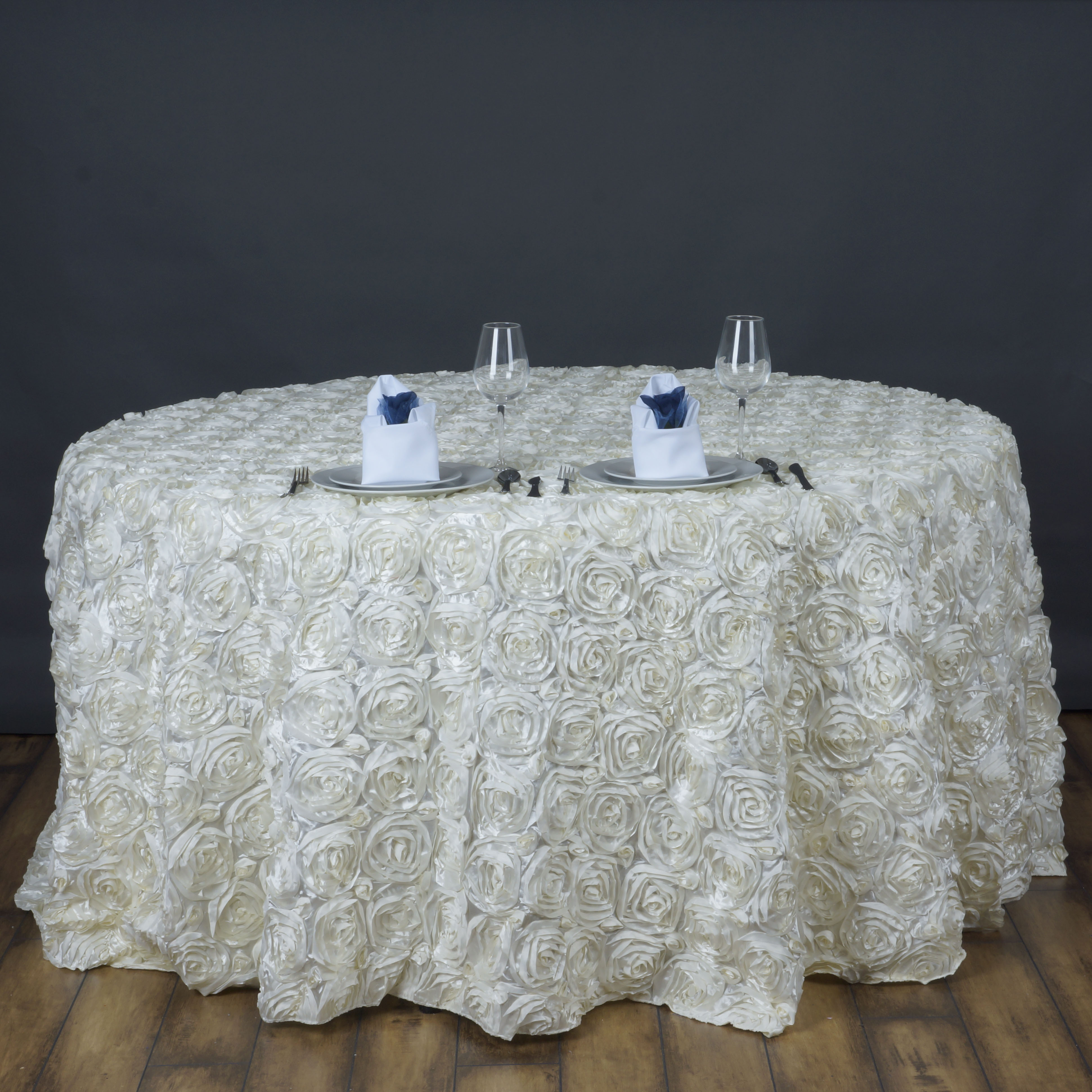 120 034 Rosette Rose Pattern Round Tablecloths For