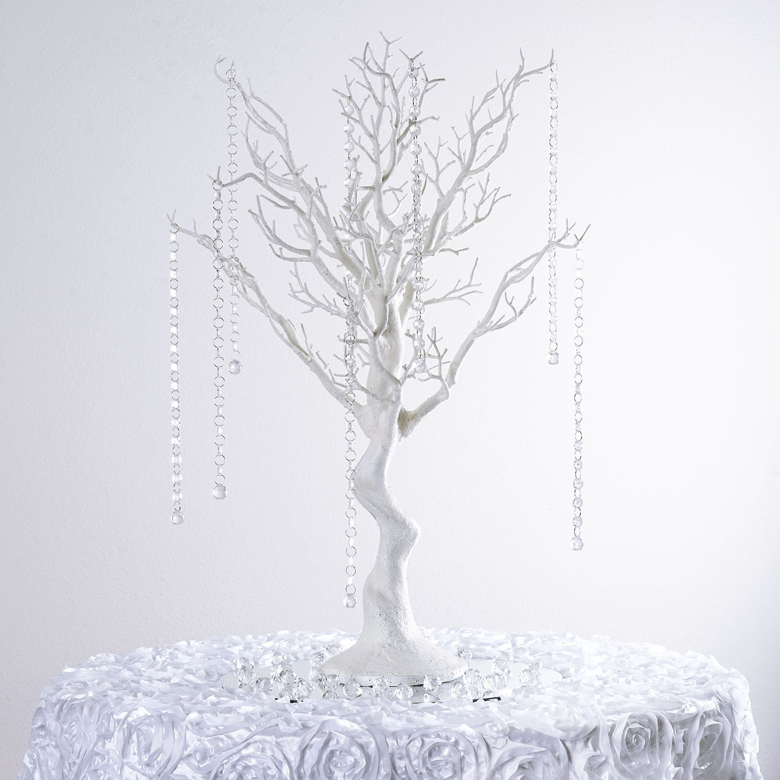 Quot white manzanita tree with garlands wedding party