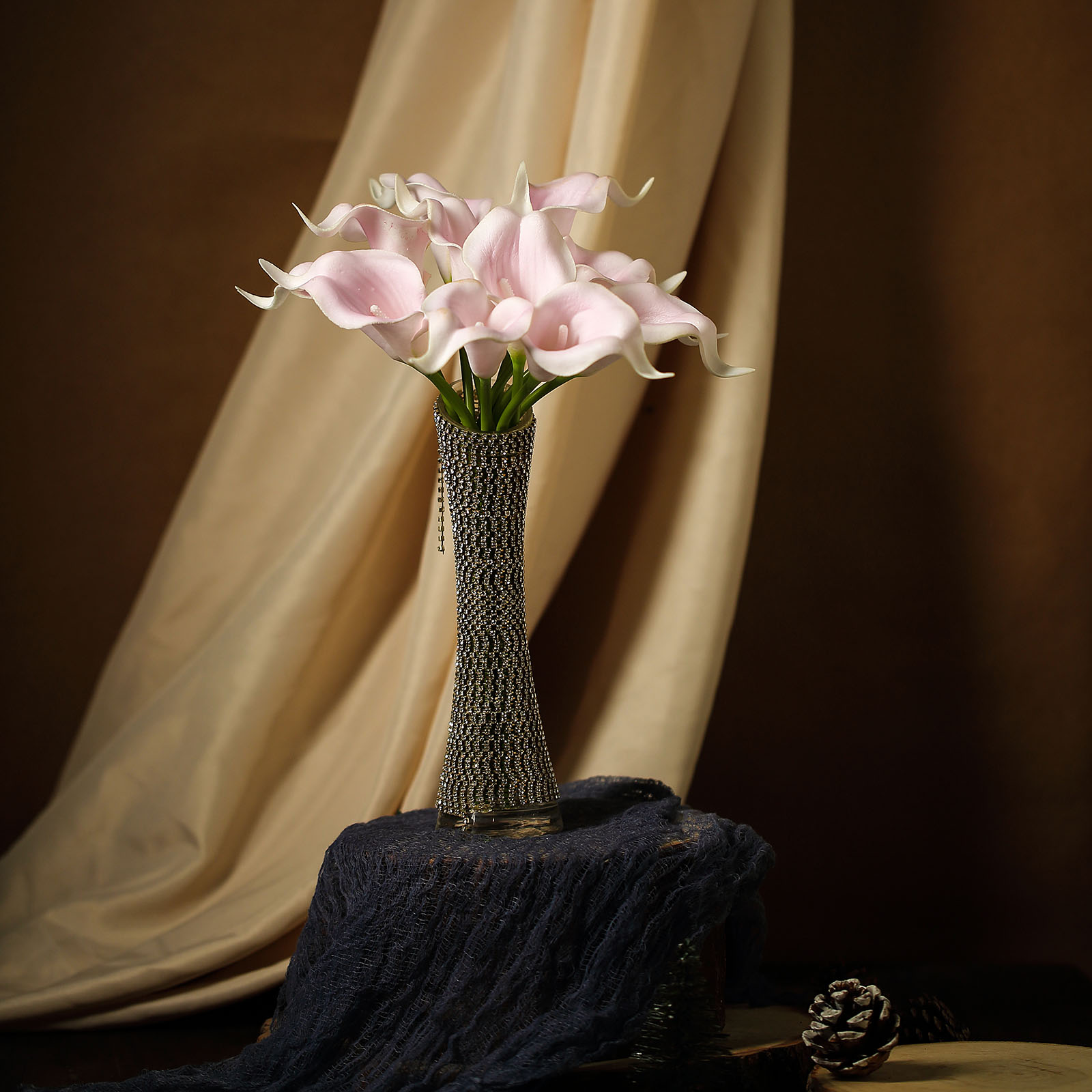 """9.75/"""" Calla Lily Bouquet Wedding Candle"""