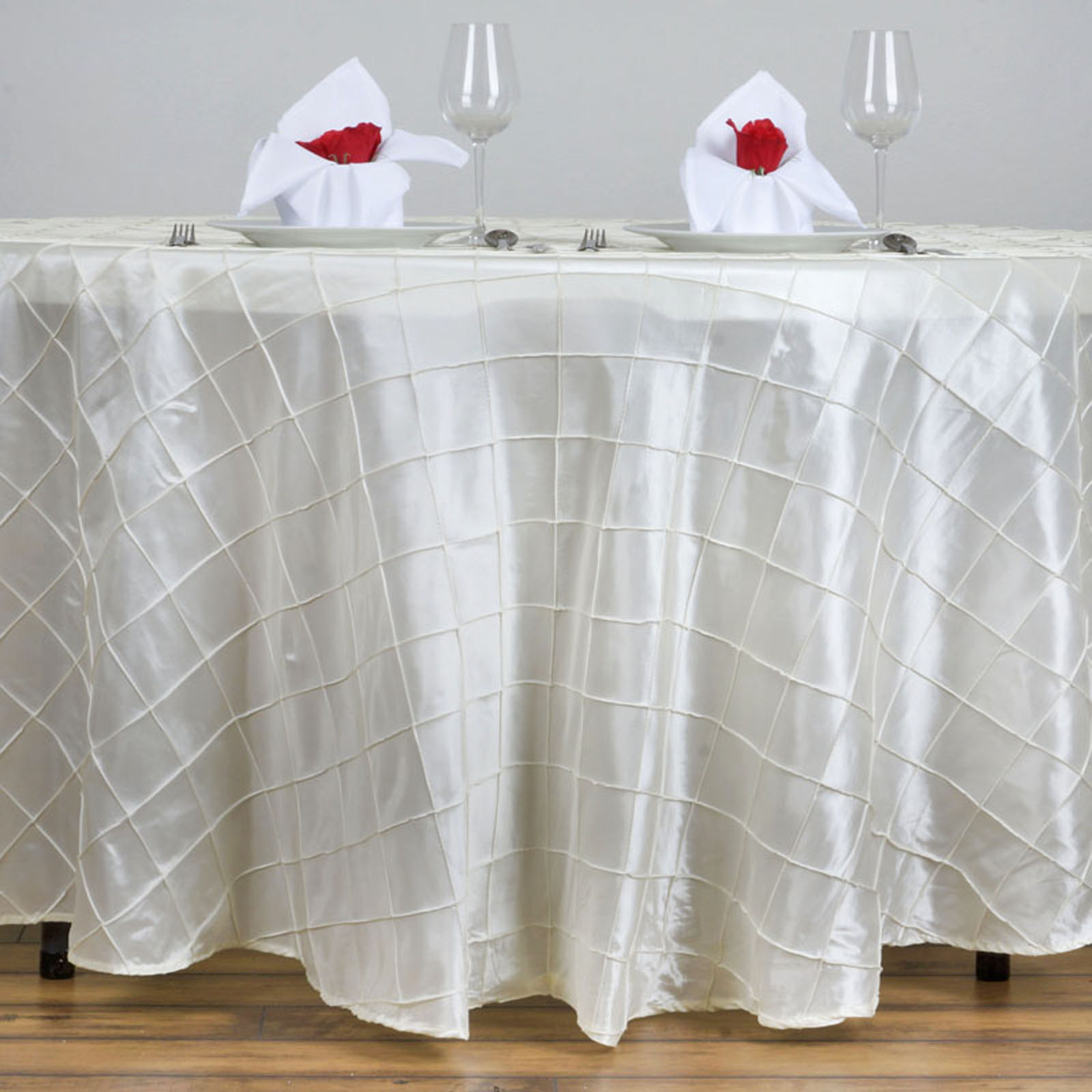 White round tablecloths cheap - 10 Pcs 120 034 Pintuck Fancy Round Tablecloths