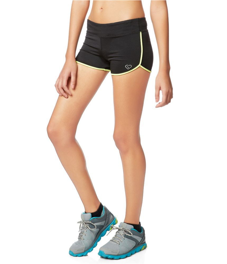 A good workout calls for great gear. Create a winning workout wardrobe when you shop for women's workout clothes at Kohl's. From women's athletic shoes to women's running pants, you'll be ready to take on any challenge as Kohl's offers an amazing selection of workout clothes for women.