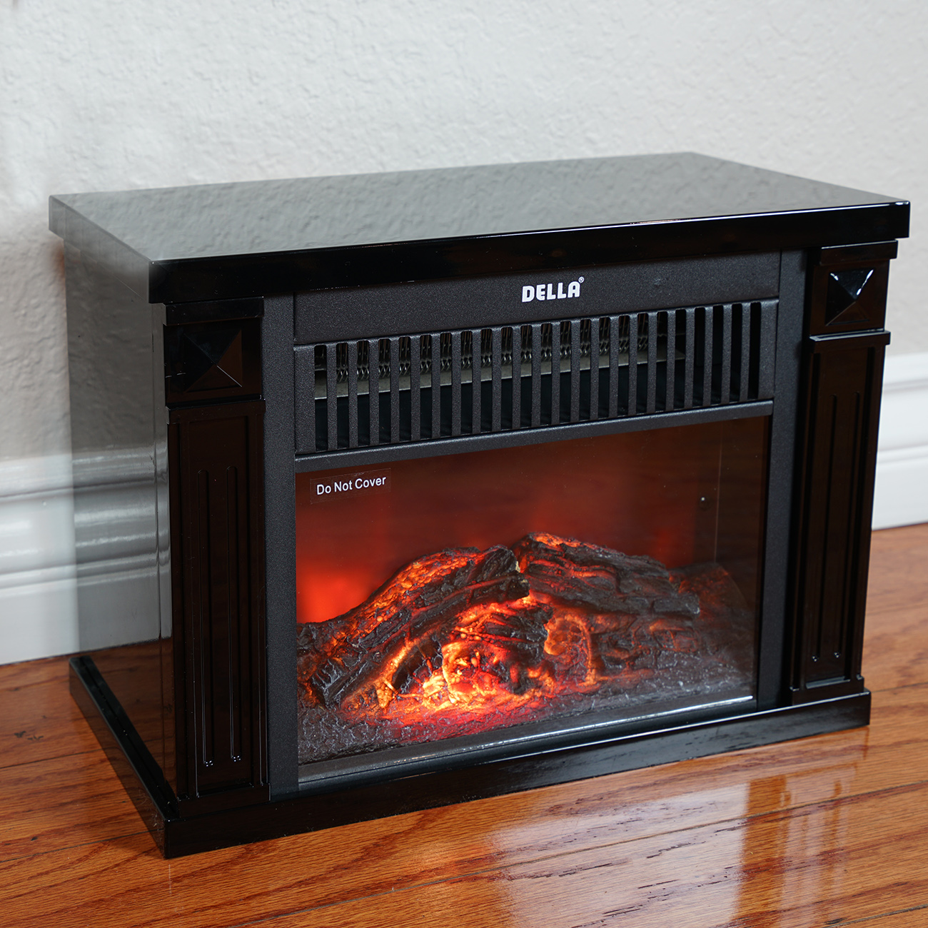 The Infrared Tabletop Space Heater with Flame Effect allows you to keep your personal area toasty