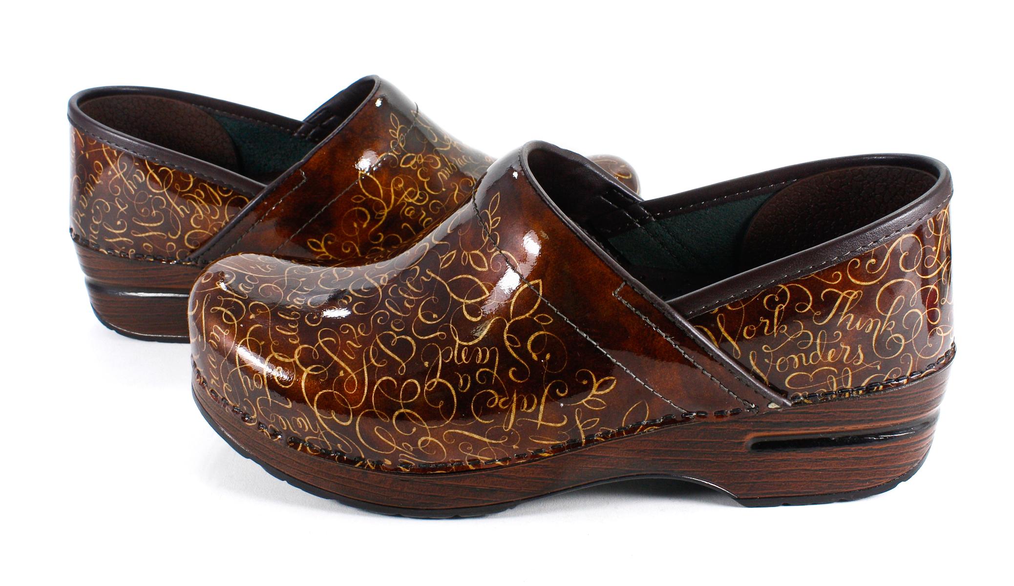 Dansko Womens Shoes M Width